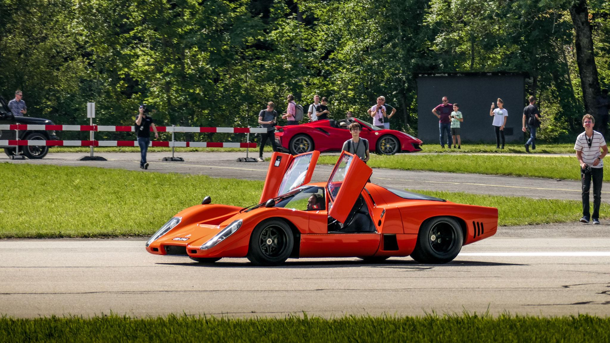 McLaren M6 GT - UBD-234G (GB)