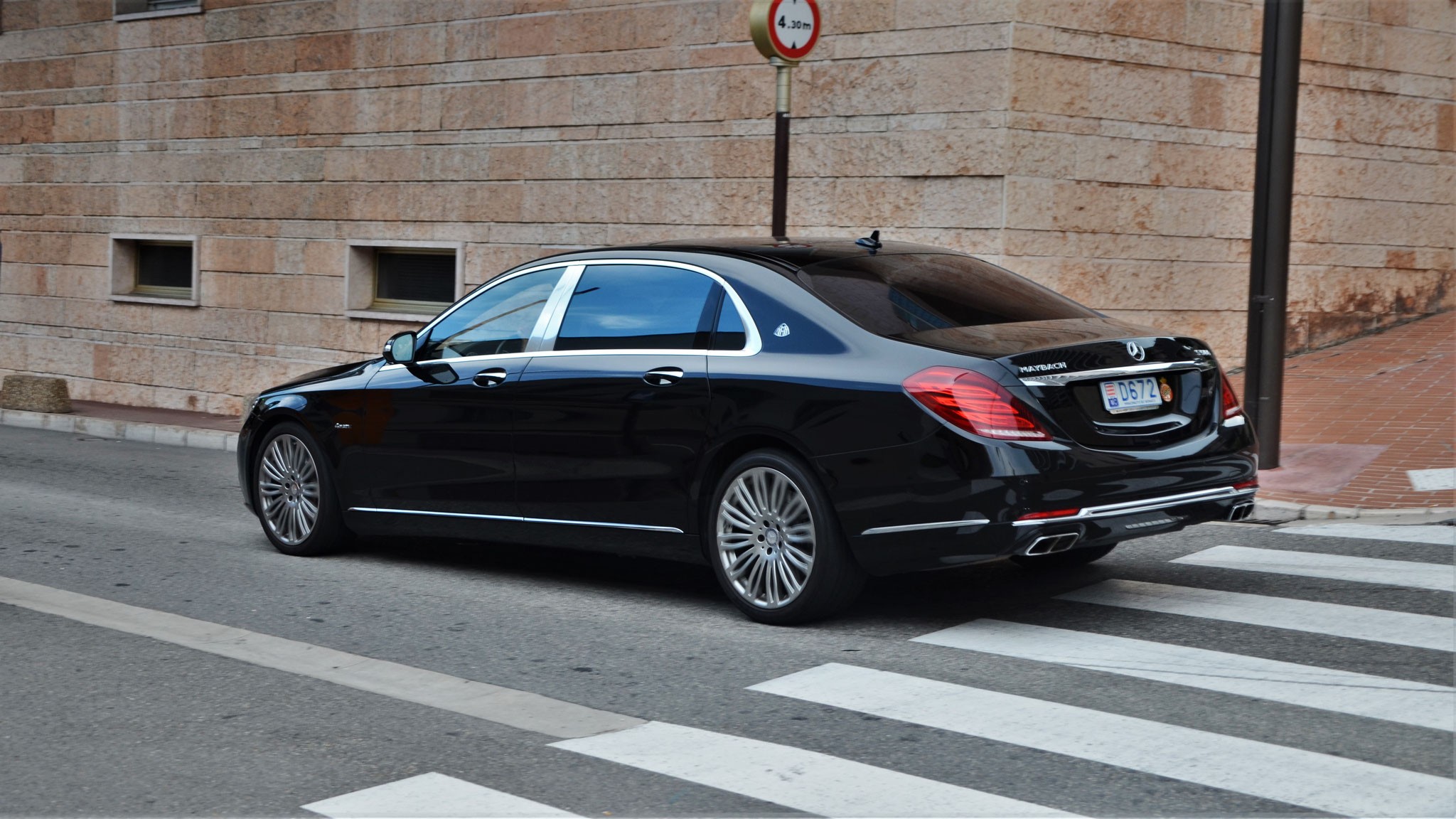 Mercedes Maybach S500 - D672 (MC)