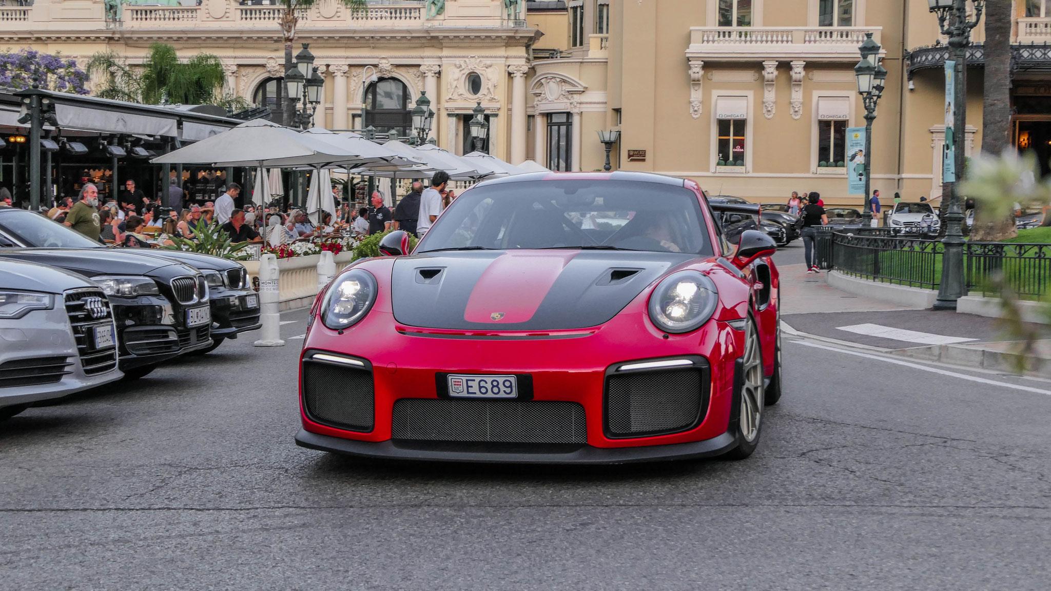 Porsche GT2 RS - E689 (MC)