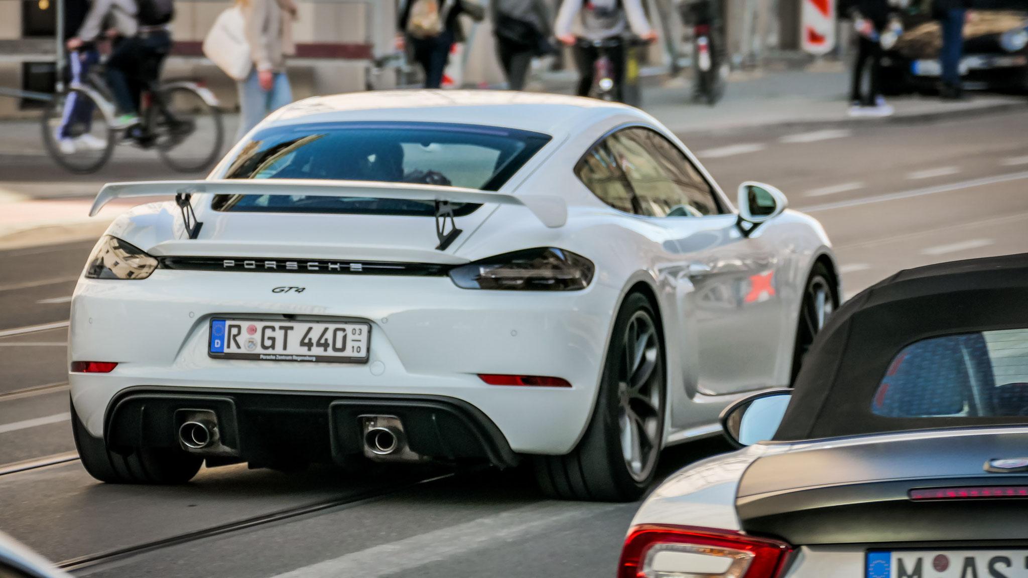 Porsche Cayman GT4 - R-GT-440
