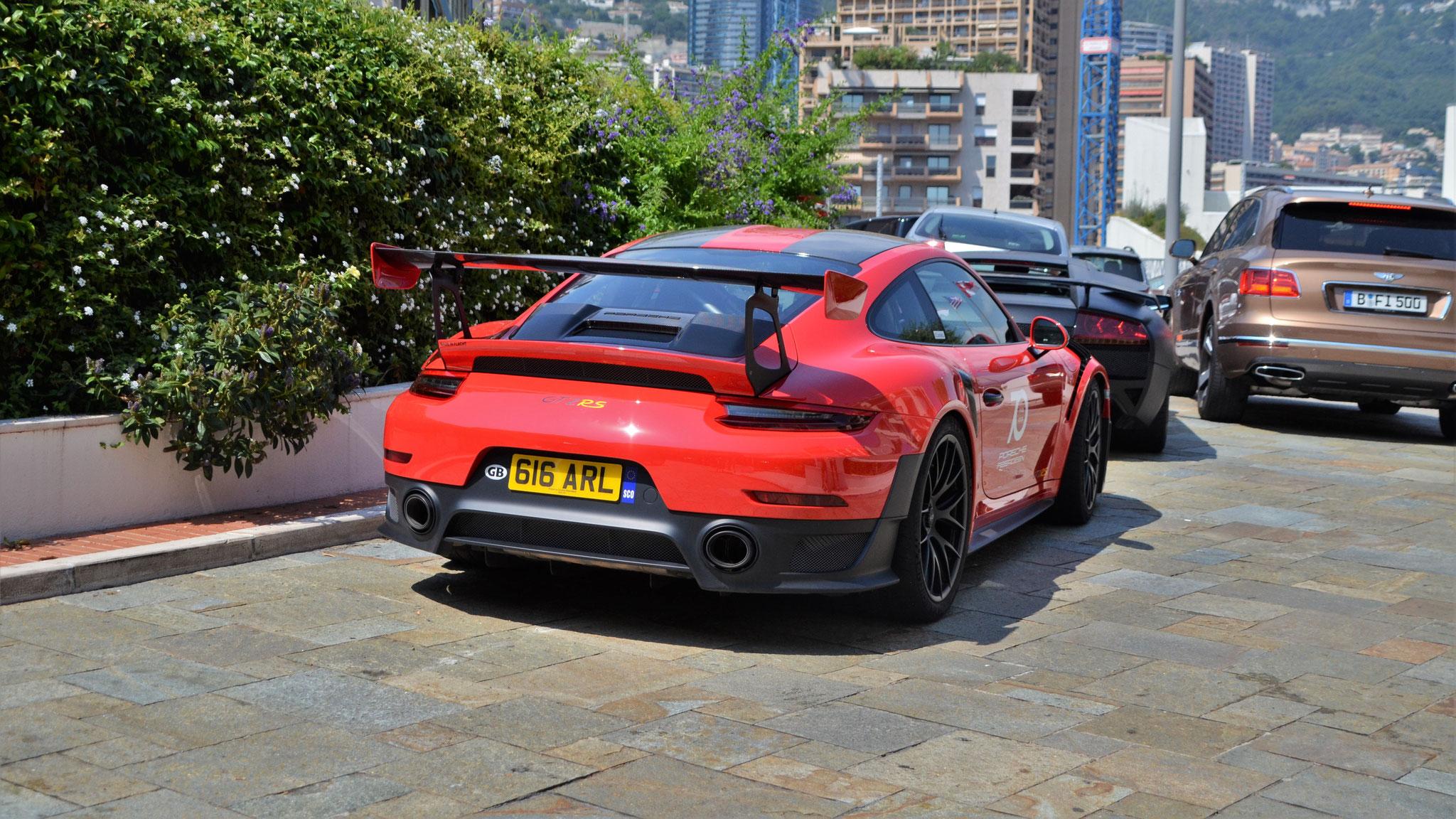 Porsche 911 GT2 RS - 616-ARL (GB)