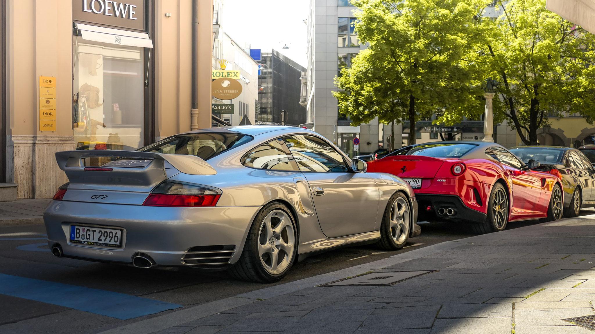 Porsche 996 GT2 - B-GT-2996