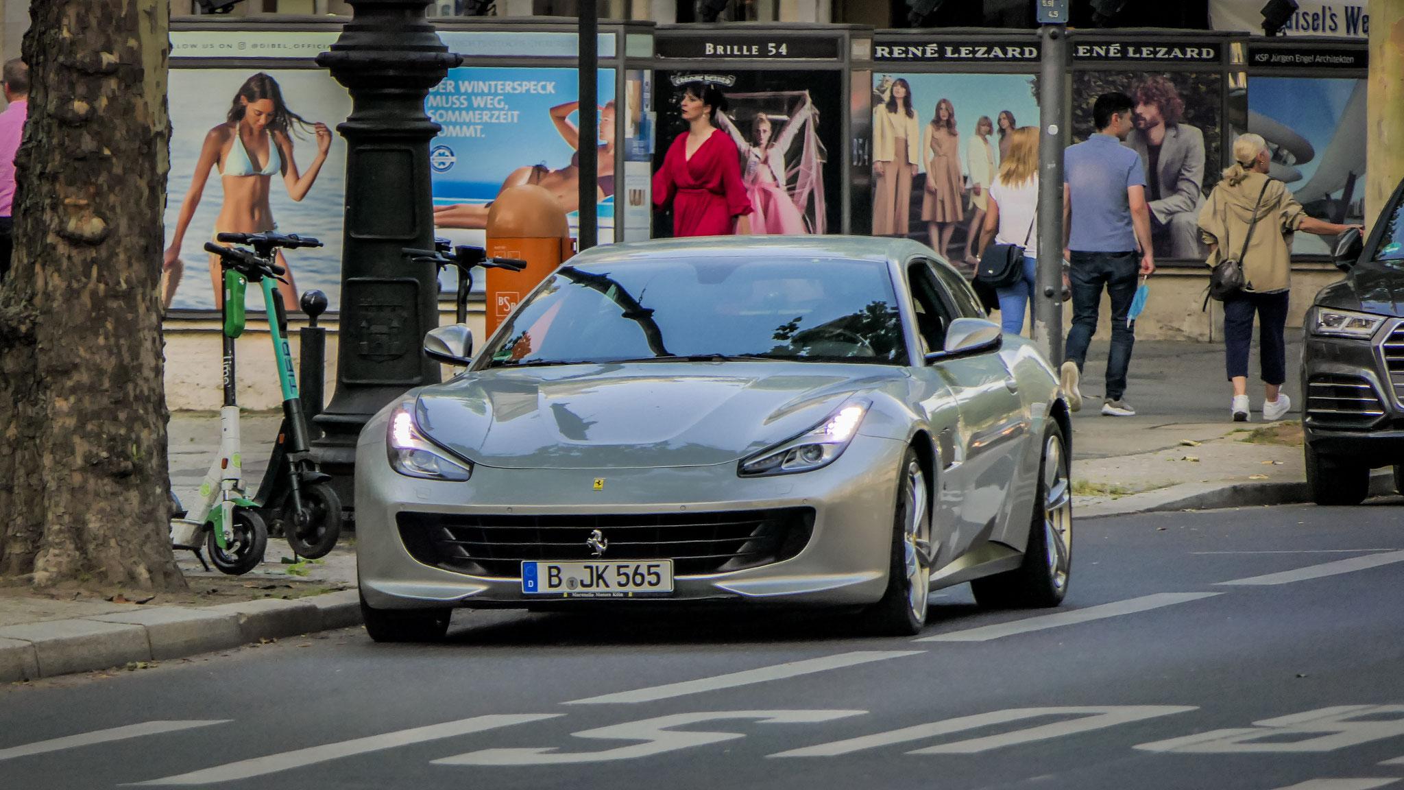 Ferrari GTC4 Lusso - B-JK-565