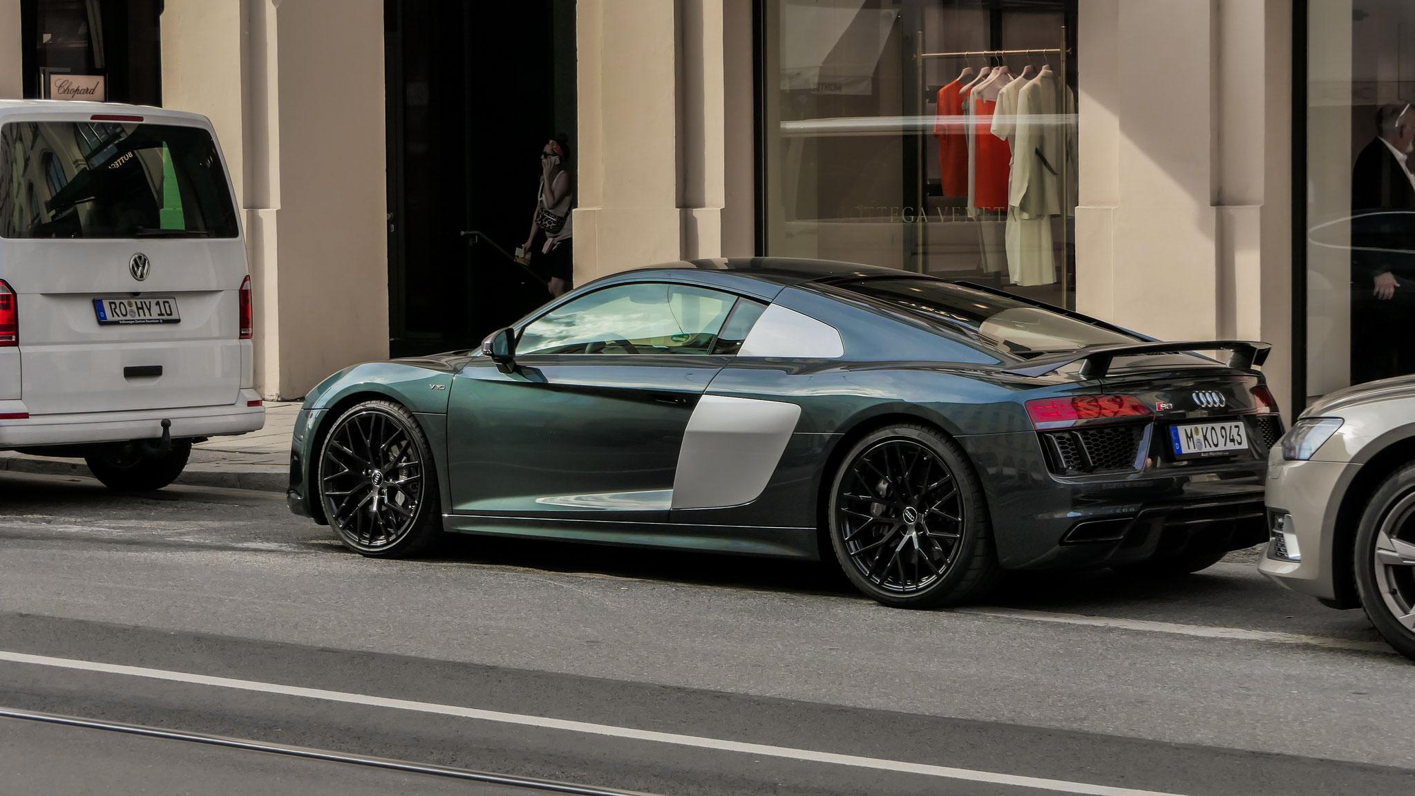 Audi R8 V10 - M-KO-943