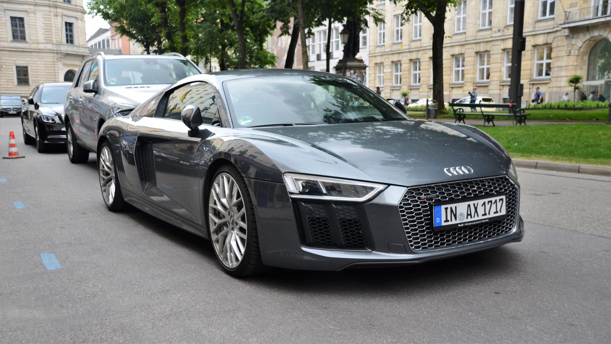Audi R8 V10 - IN-AX-1717