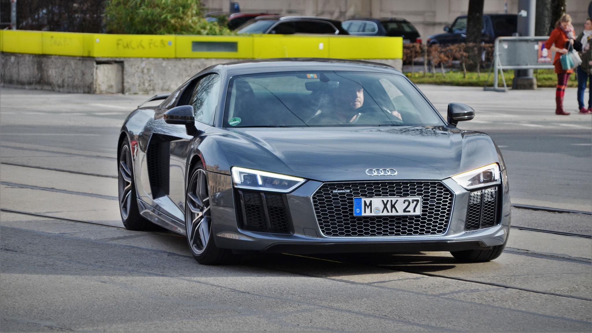Audi R8 V10 - M-XK-27