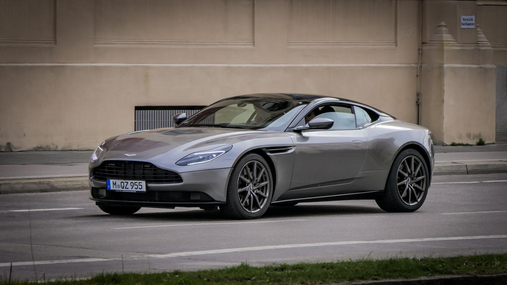 Aston Martin DB11 - M-QZ-955