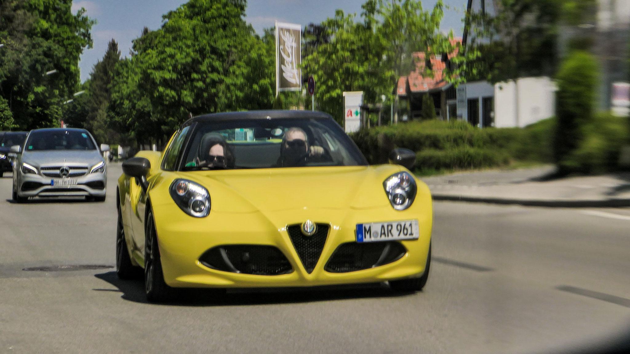 Alfa Romeo 4C Spyder - M-AR-961