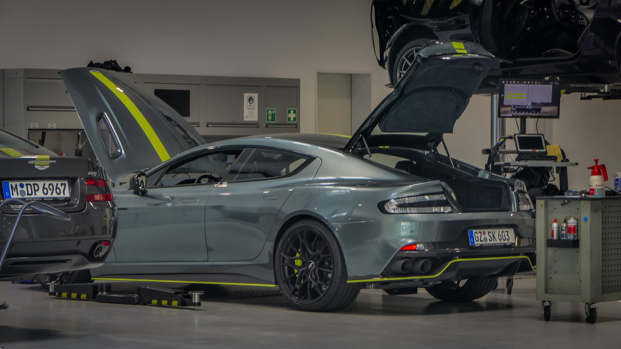 Aston Martin Rapide AMR - GZ-SK-603