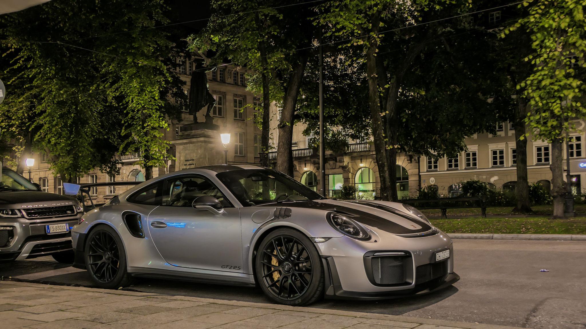 Porsche 911 GT2 RS - ZH-73733 (CH)