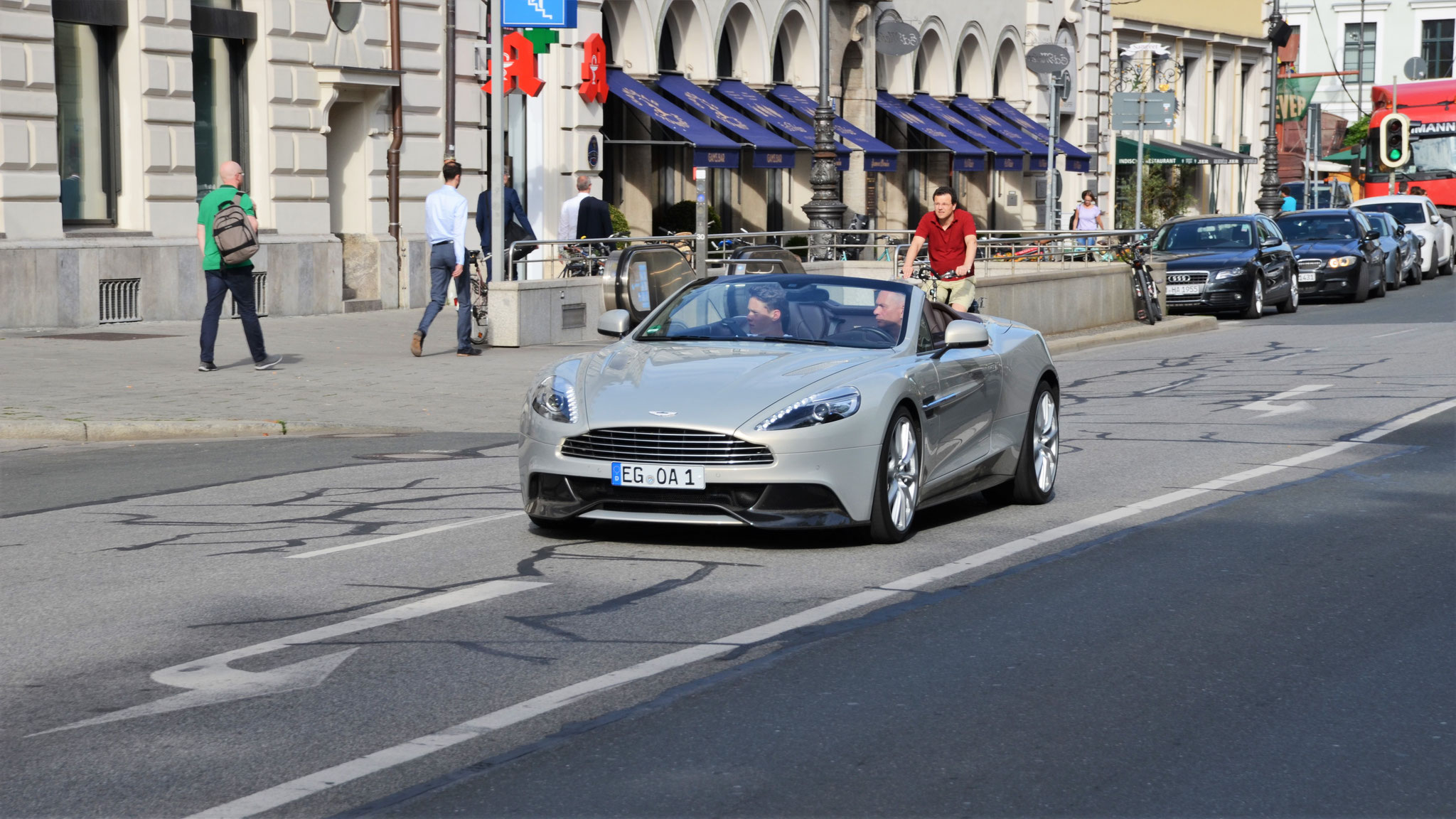 Aston Martin Vanquish Volante - EG-OA-1
