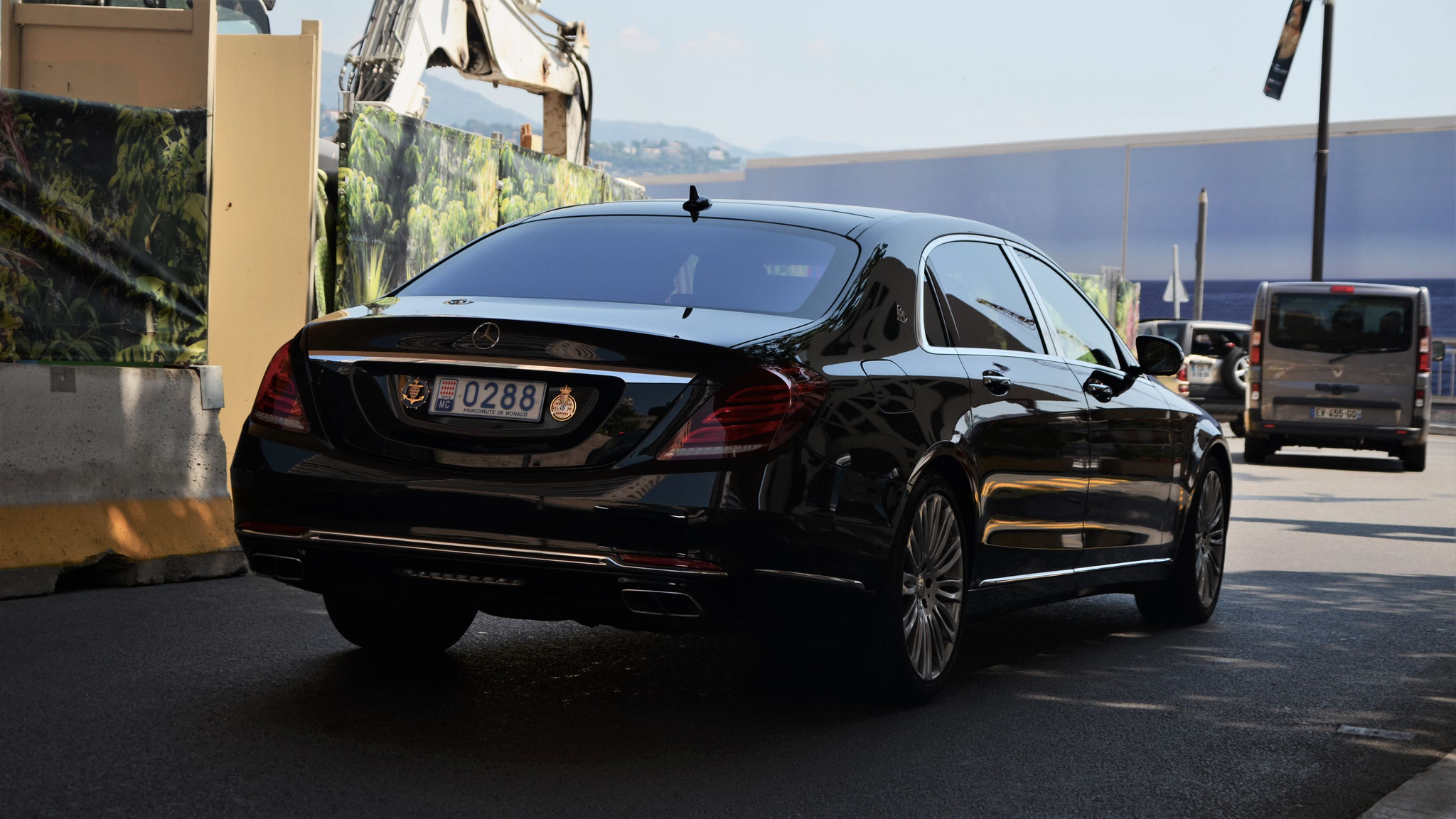 Mercedes Maybach S500 - Q288 (MC)