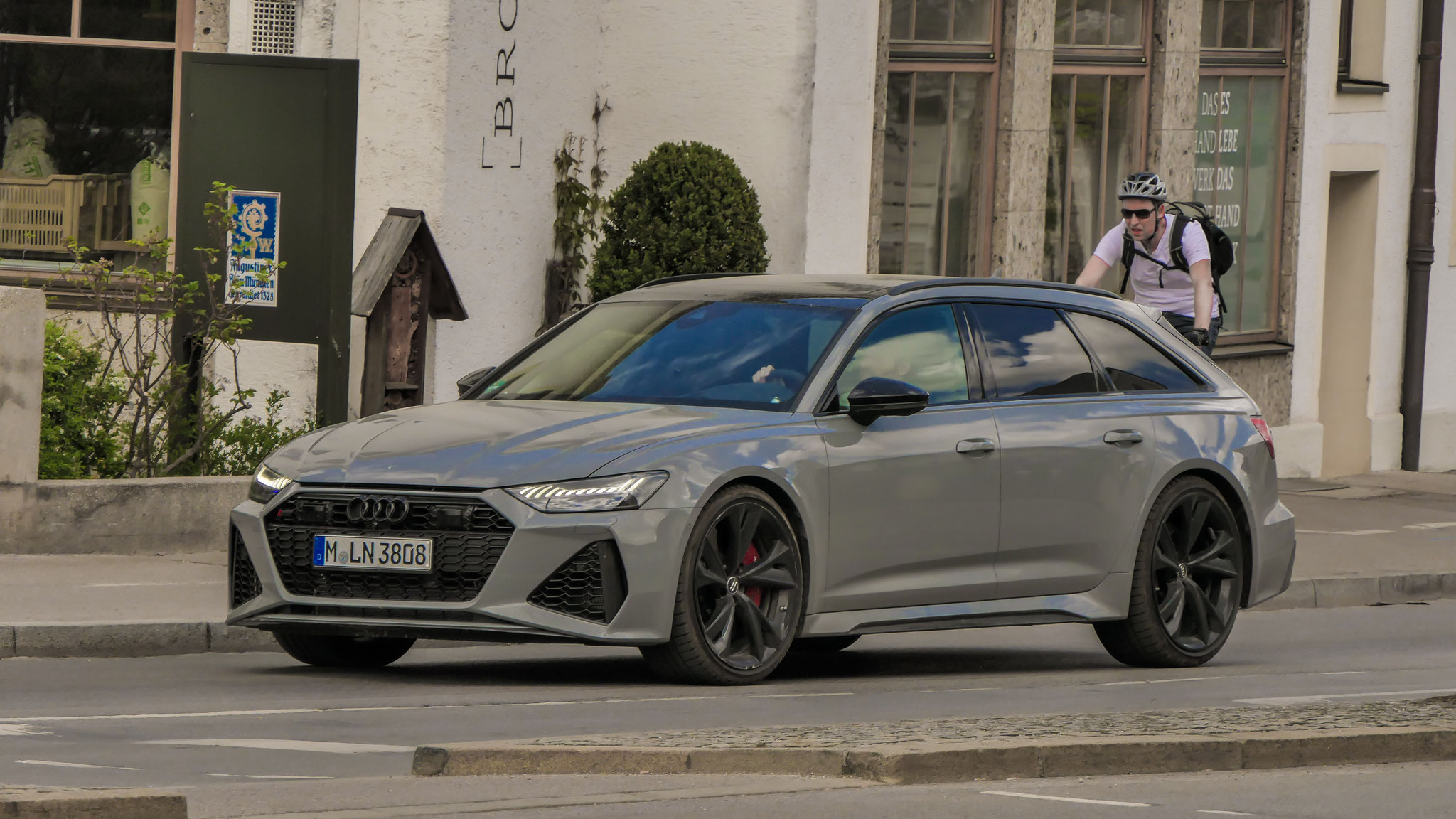 Audi RS6 (Javier Martinez) - M-LN-3808