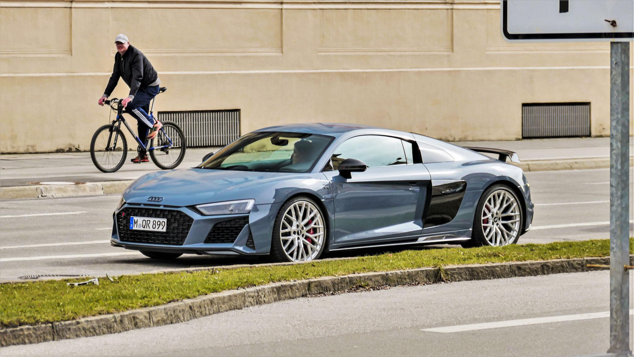 Audi R8 V10 - M-QR-899