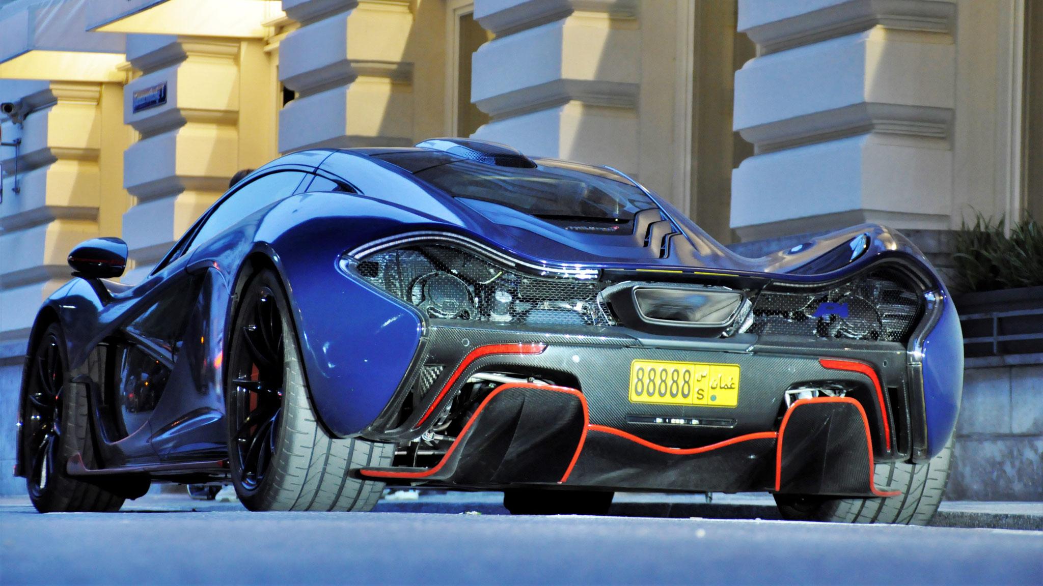 McLaren P1 - 88888 (UAE)