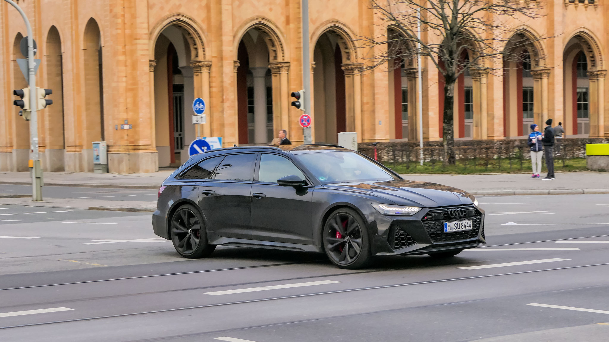 Audi RS6 - M-SU-8444