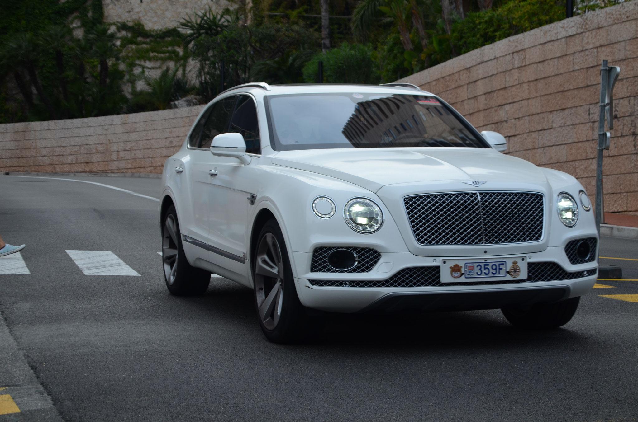Bentley Bentayga - 359F (MC)