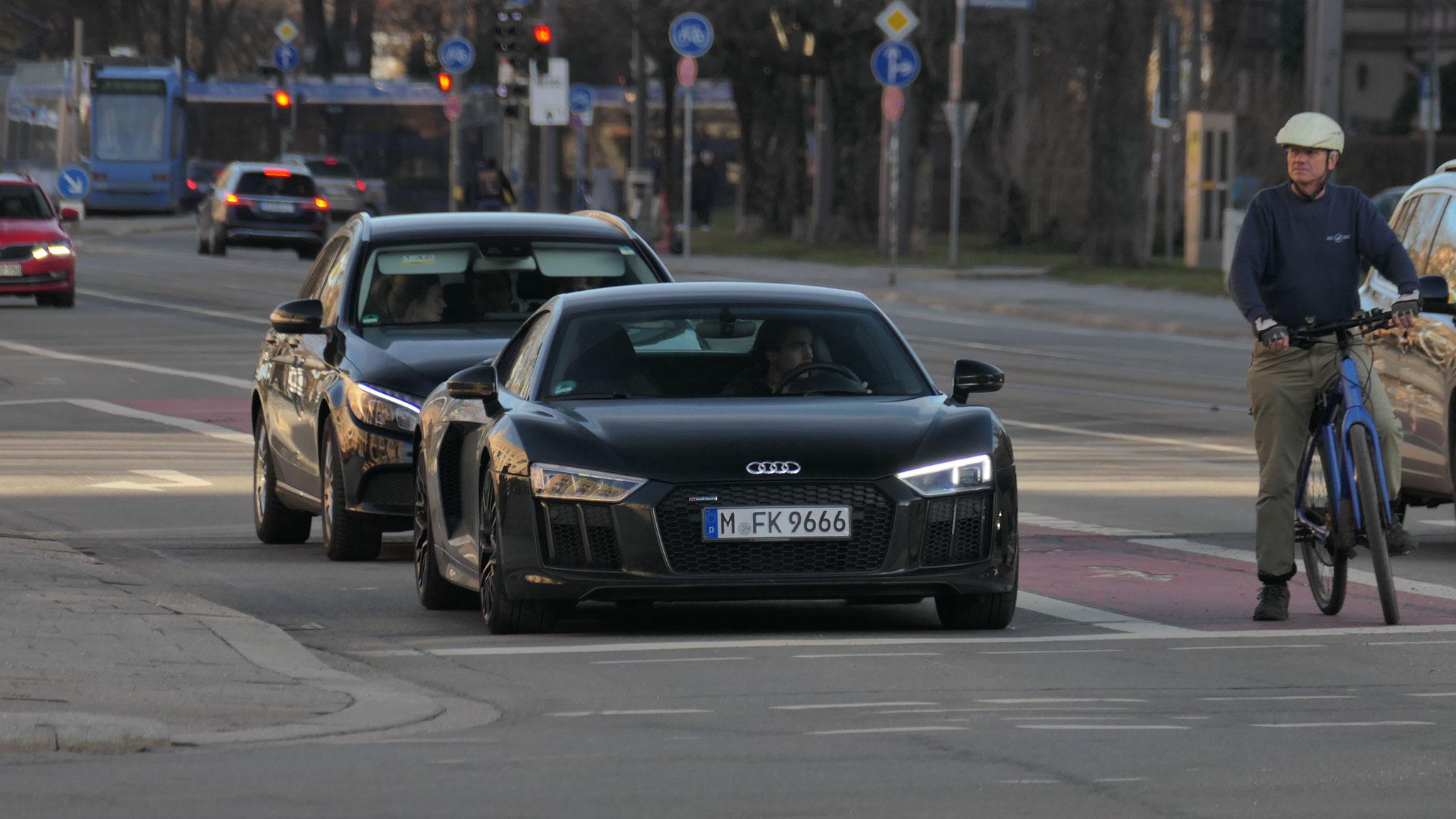 Audi R8 V10 - M-FK-9666