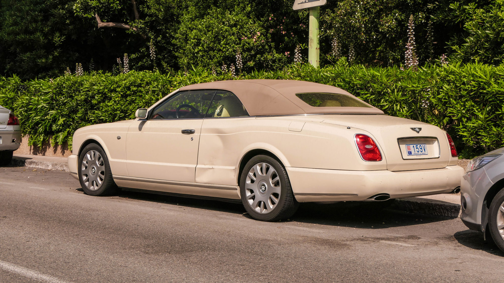 Bentley Azure - 159V (MC)