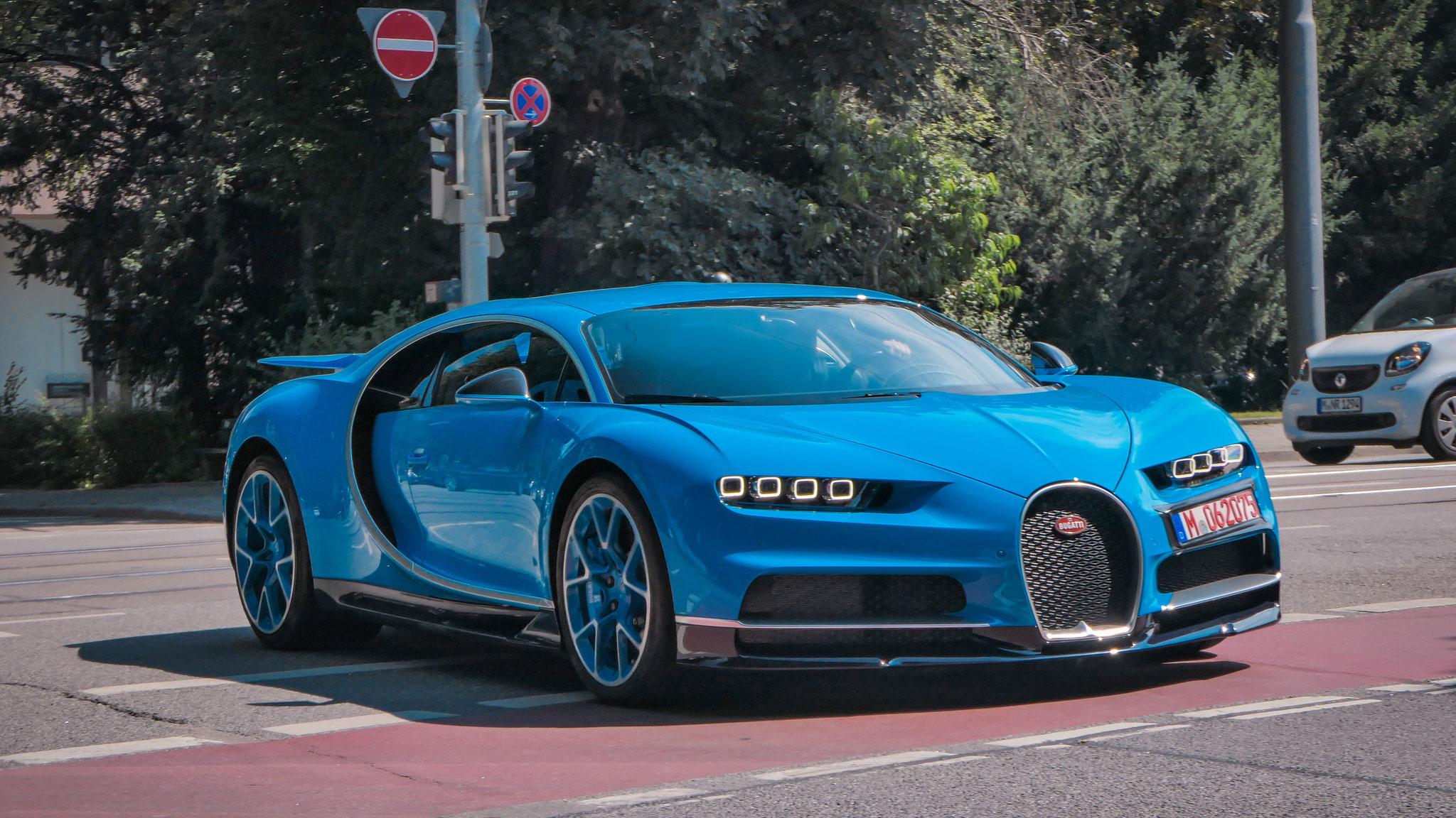 Bugatti Chiron - M-062075