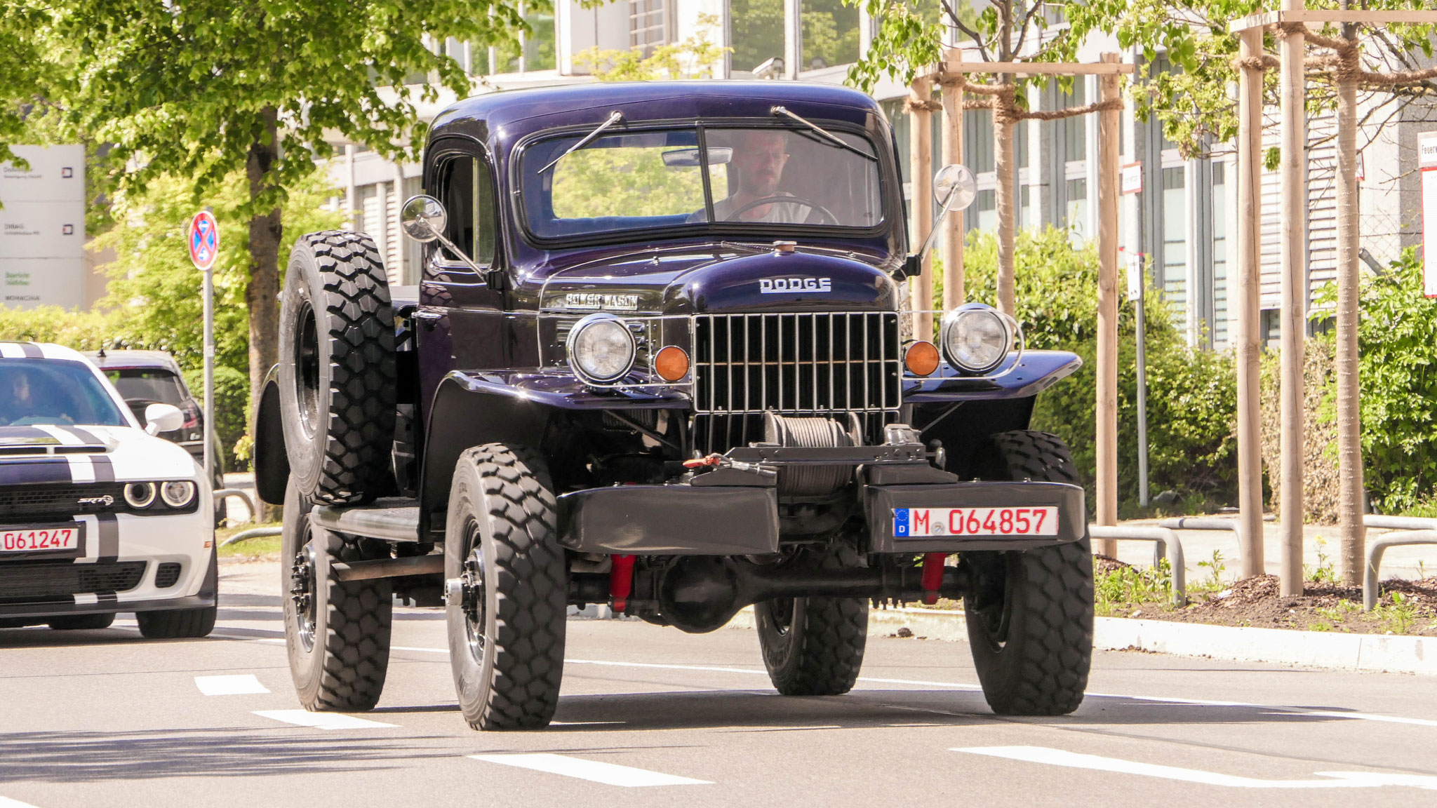 Dodge Power Wagon - M-064857
