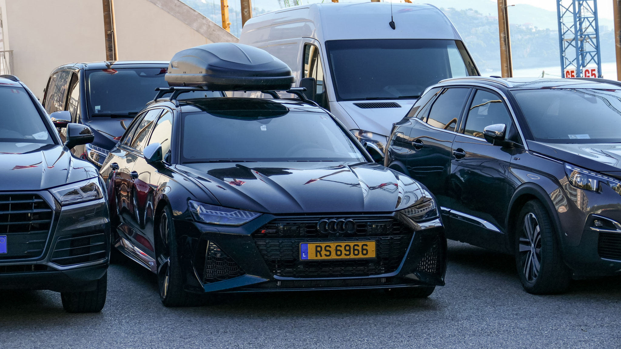 Audi RS6 - RS6966 (LUX)