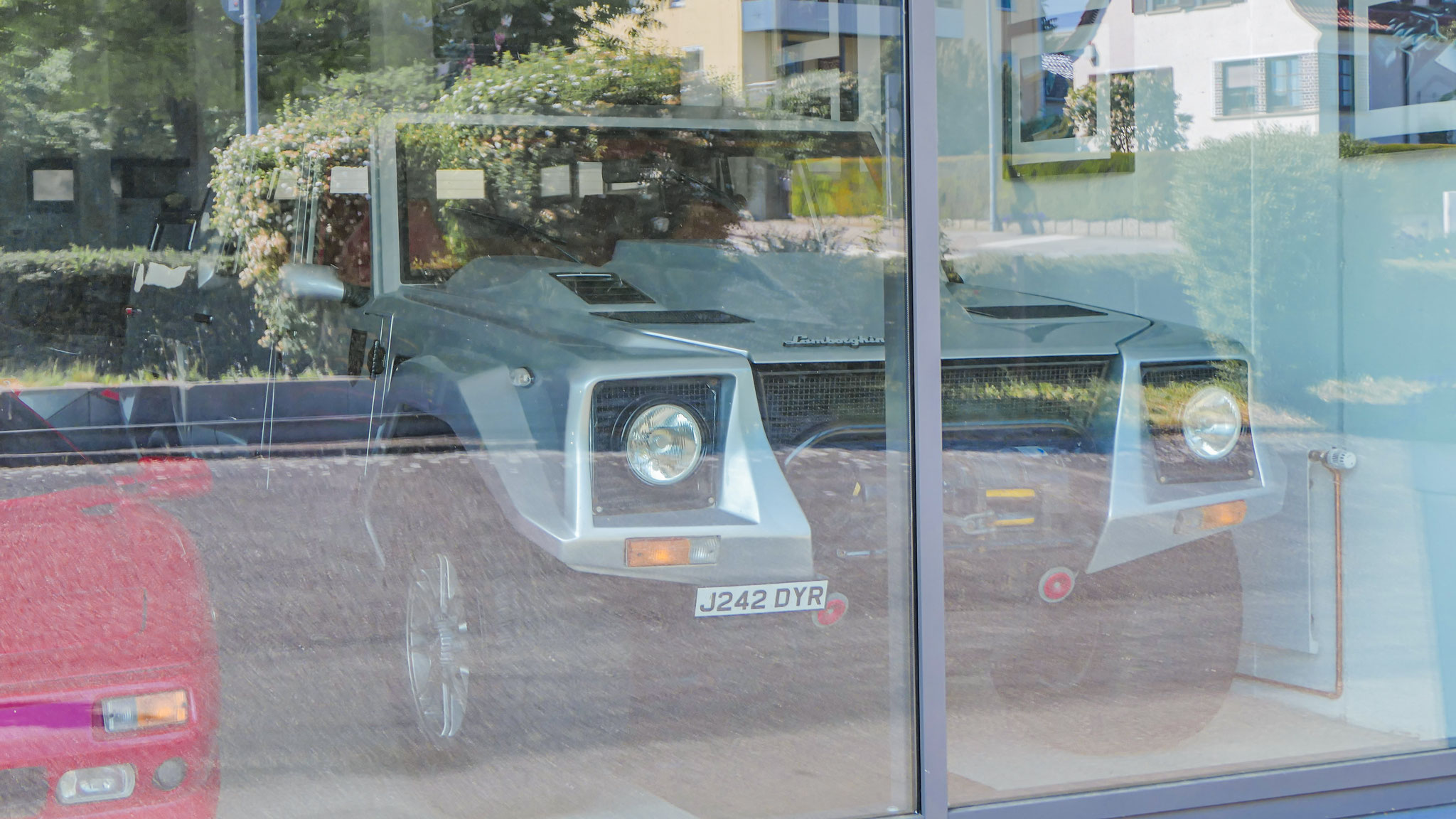 Lamborghini LM002 - J242-DYR (GB)