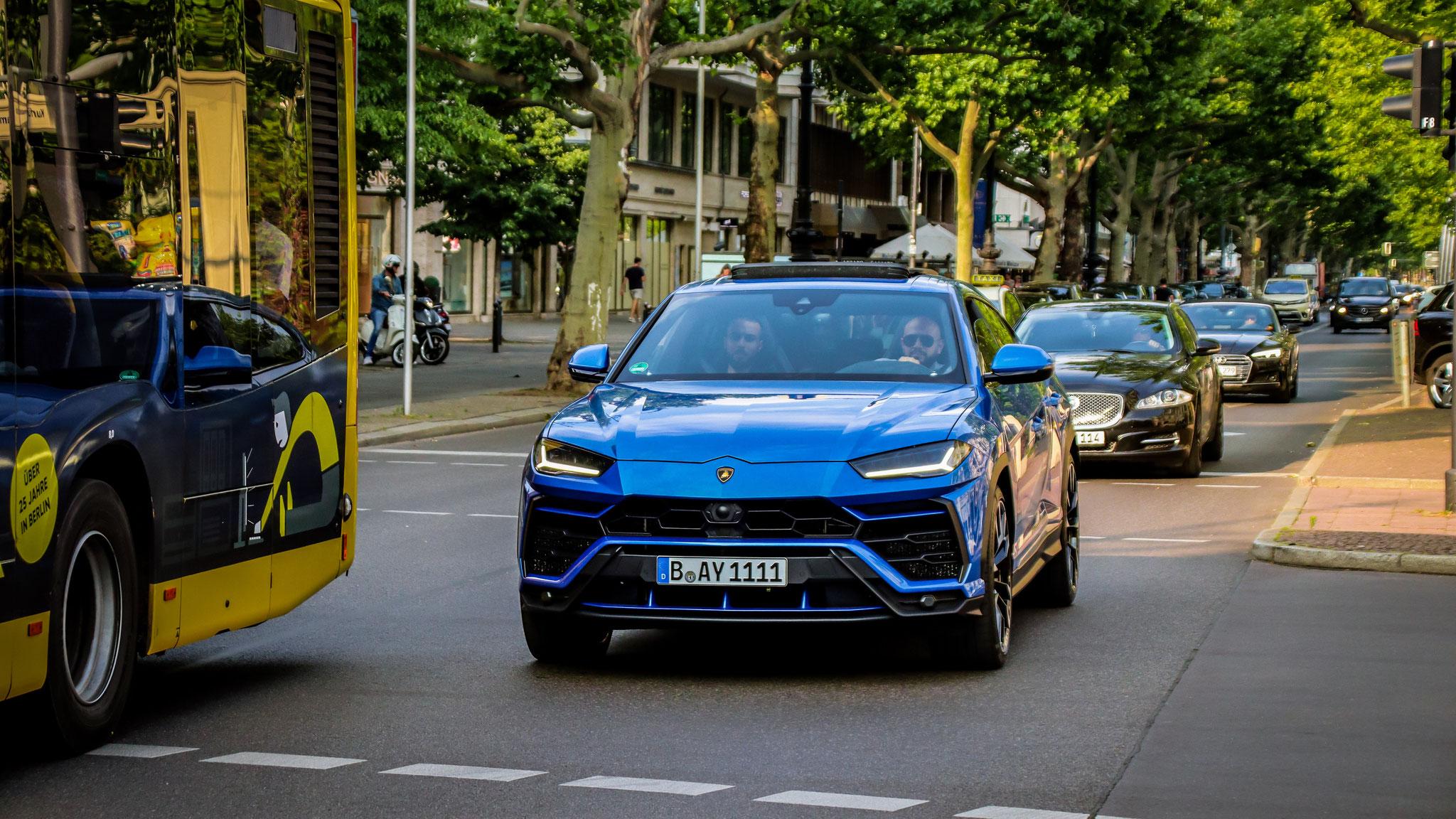 Lamborghini Urus - B-AY-1111