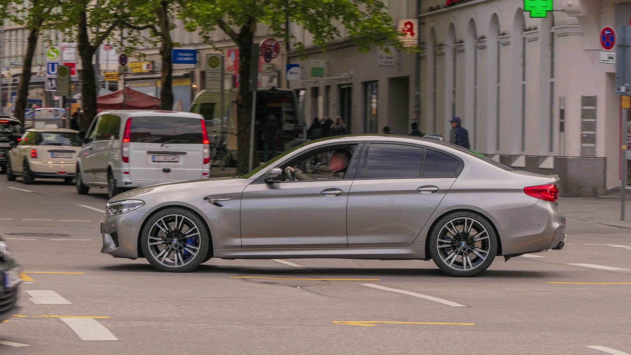 BMW M5 - M-FR-7000