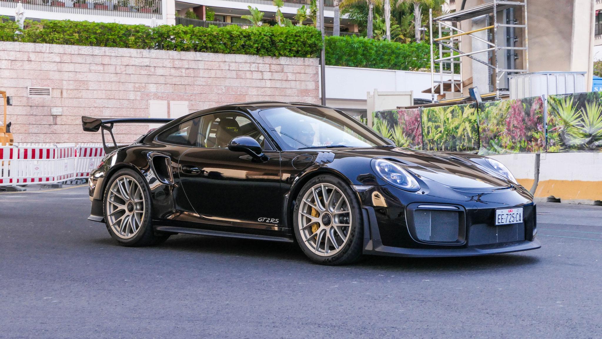 Porsche GT2 RS - EE-725-CA (ITA)