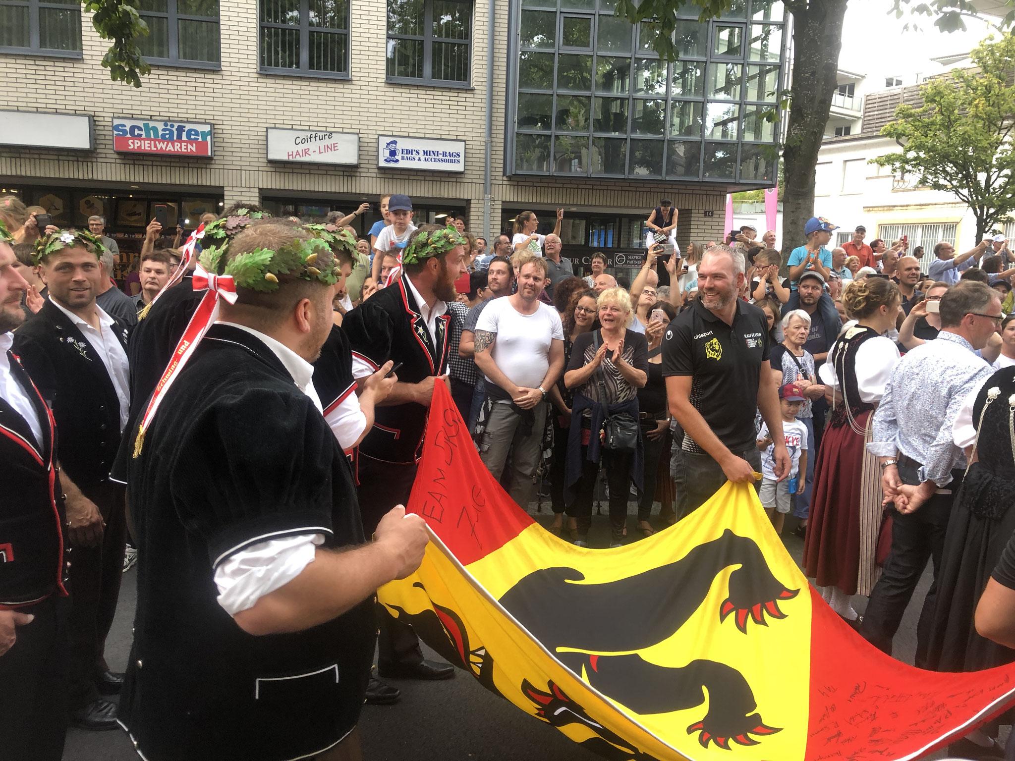 Eichenlaub, auch die andern Berner Eidgenossen liessen sich feiern