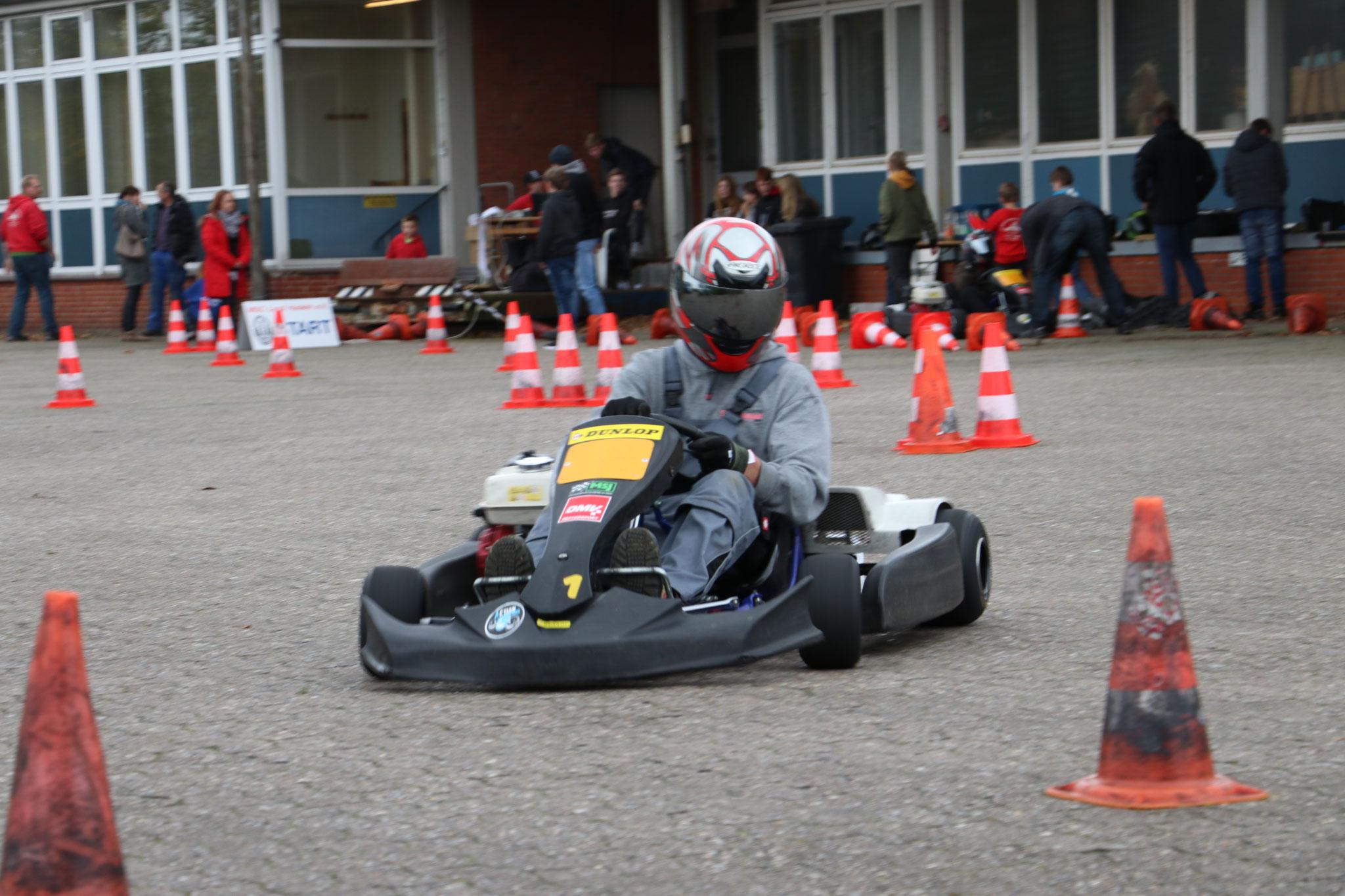 Auch die Eltern durften heute fahren: Trainer Oskar Föge