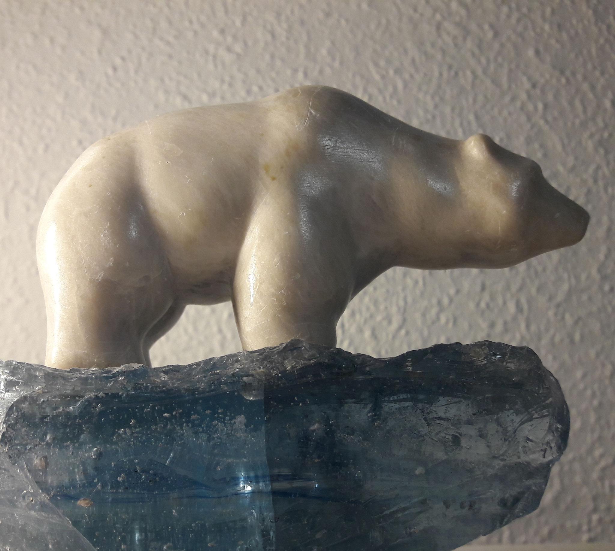 Eisbär, Speckstein, ca. 10 x 10 cm, 2010