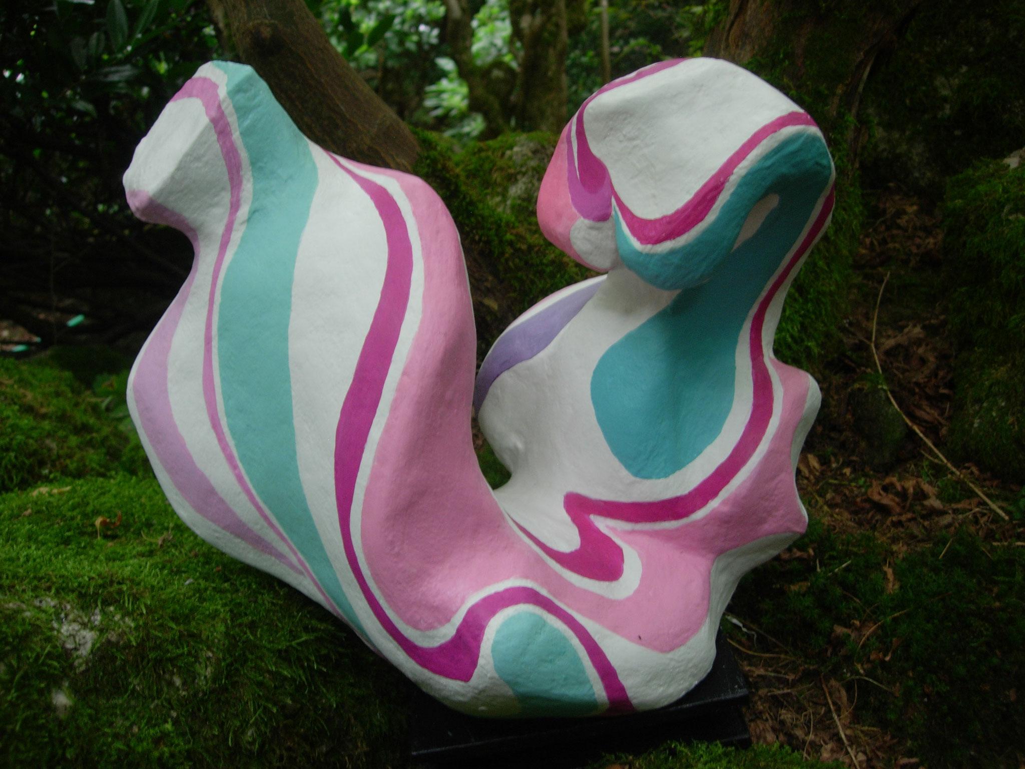 Skulptur Harmonie, Papiermaché, Acrylfarbe, 35x29x31 cm