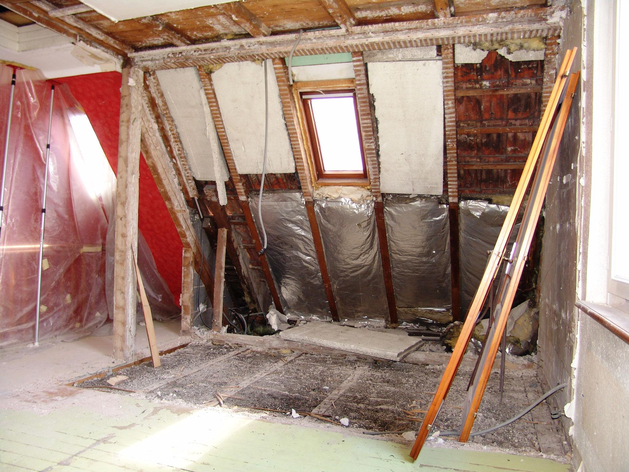Abattage du mur, démolition de rampant plafond et enlever anciens planchers en bois Illkirch-Graffenstaden 67