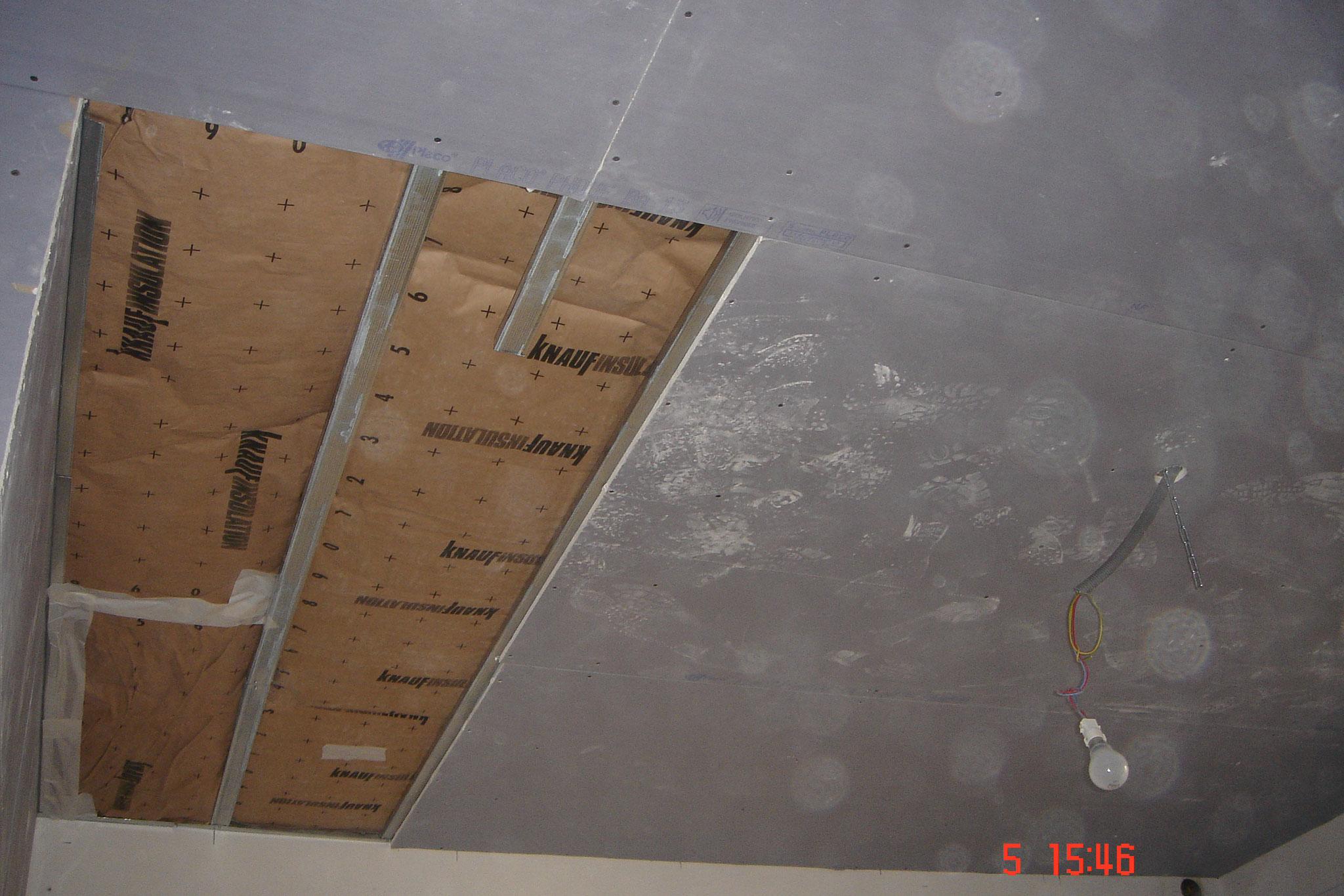 Réaliser un plafond suspendu avec la plaque Placo® Phonique Robertsau 67 Activ Renovation