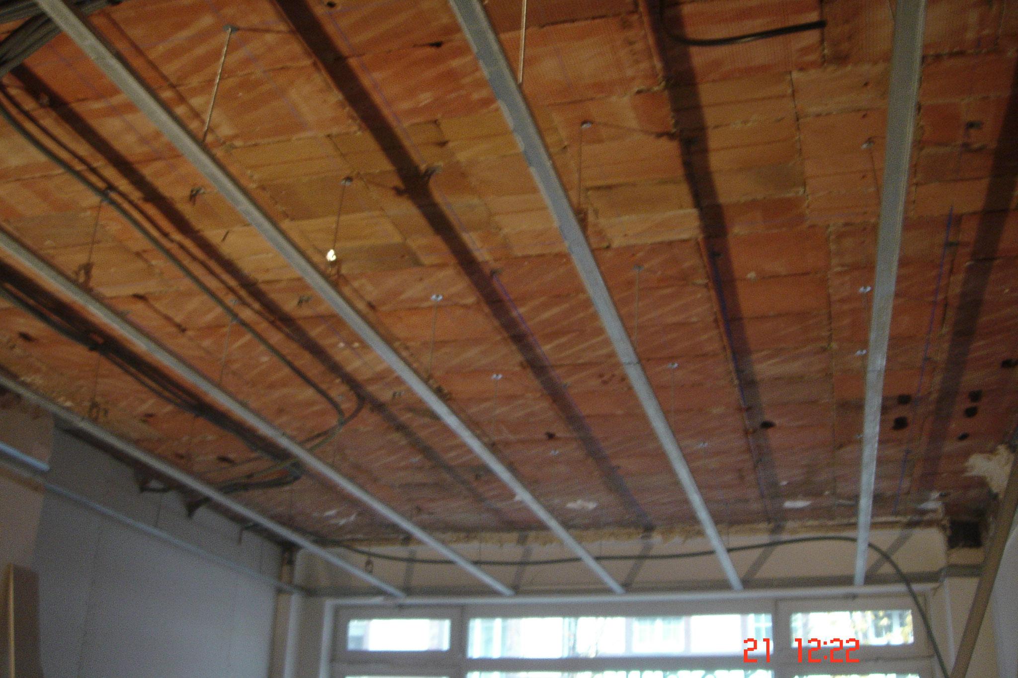 Réaliser un faux plafond avec ossature métallique Strasbourg 67 Activ Renovation