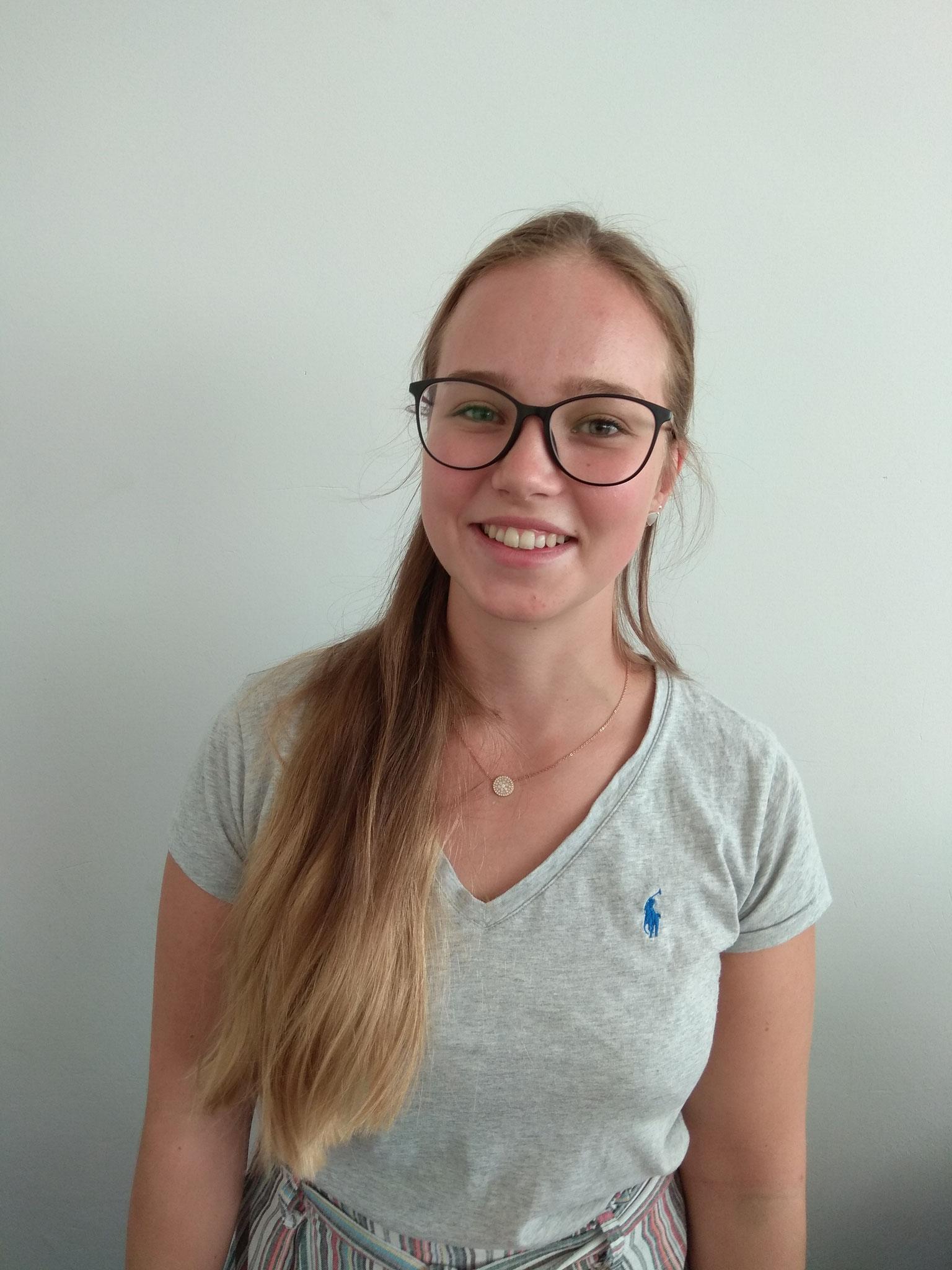 Lea Pfeifer, Gesundheits- und Kinderpflegerin in der Notaufnahme