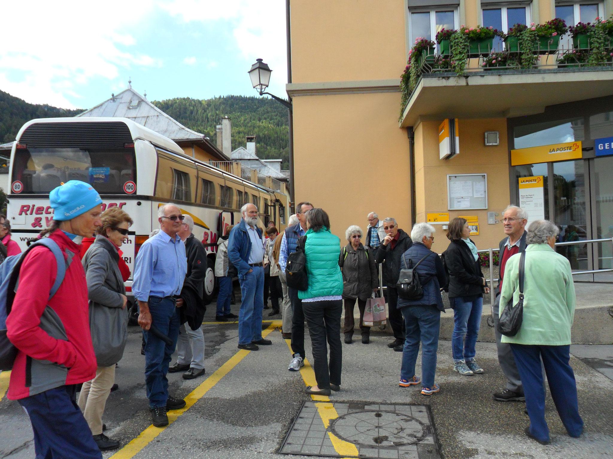...Spaziergang durch Valle de Joux vor dem Mittagessen...