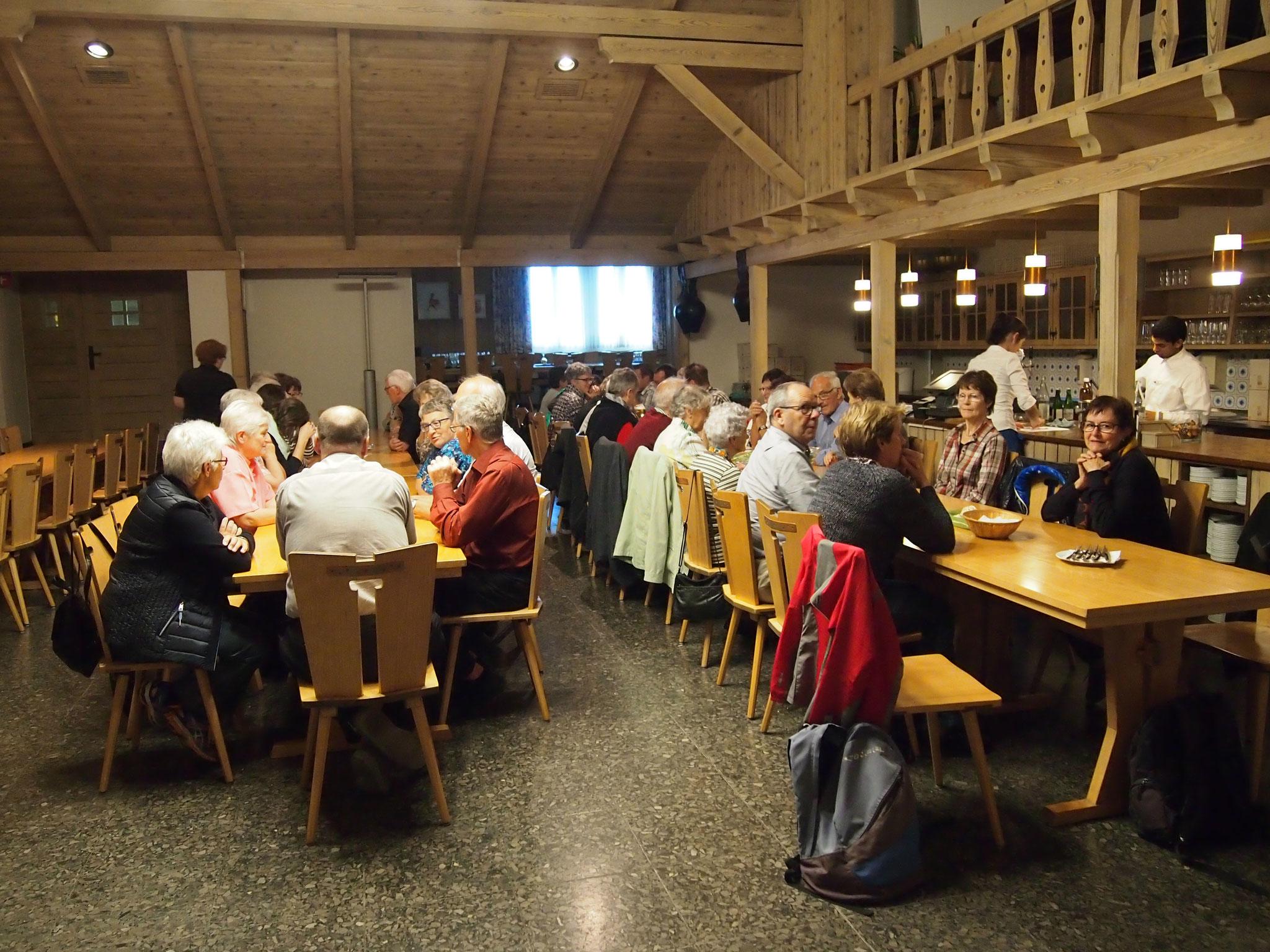 ...in Aarburg im Restaurant Krone ist um 18.00 Uhr der Zobighalt...