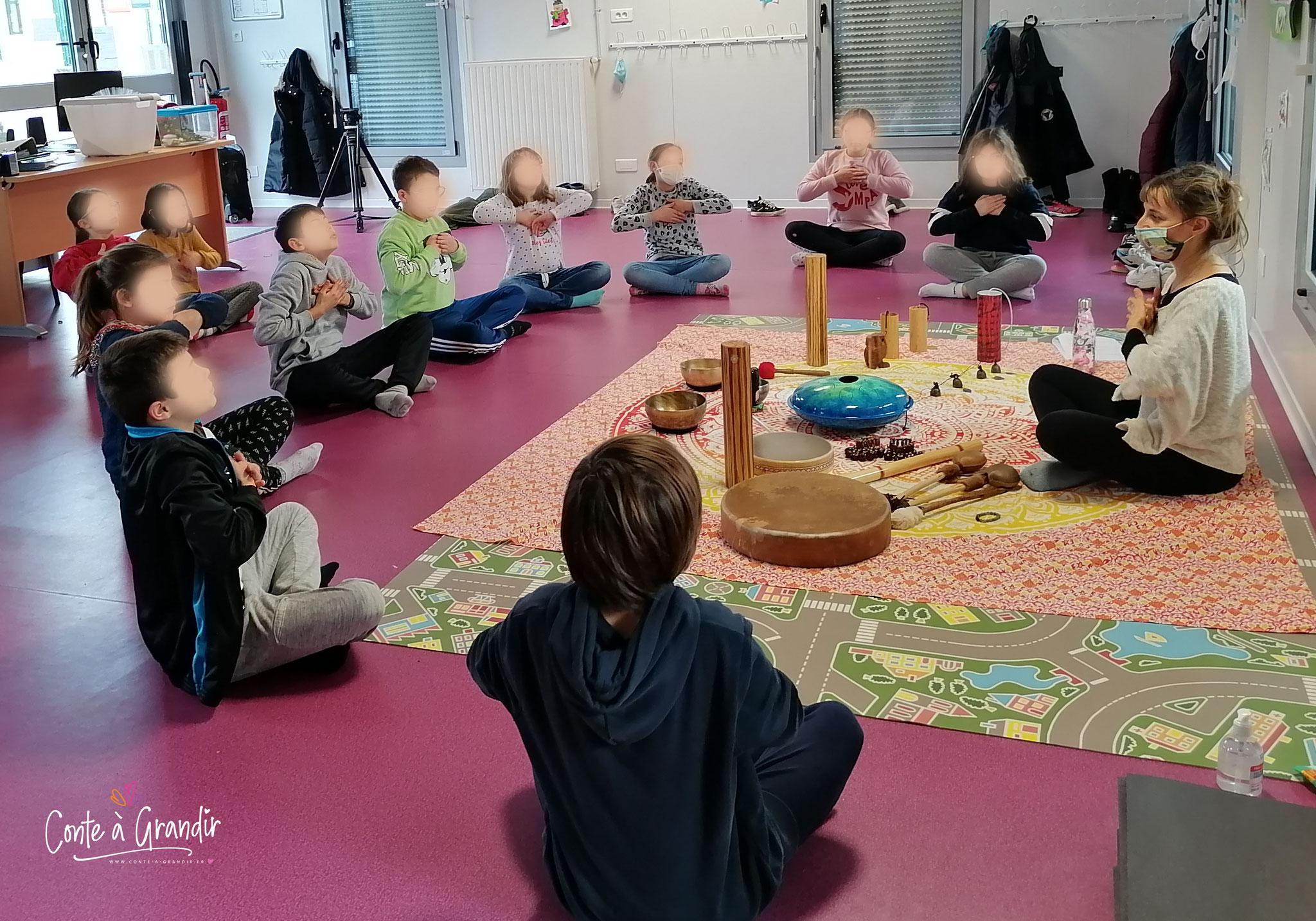 méditation joyeuse, enfant, vendée
