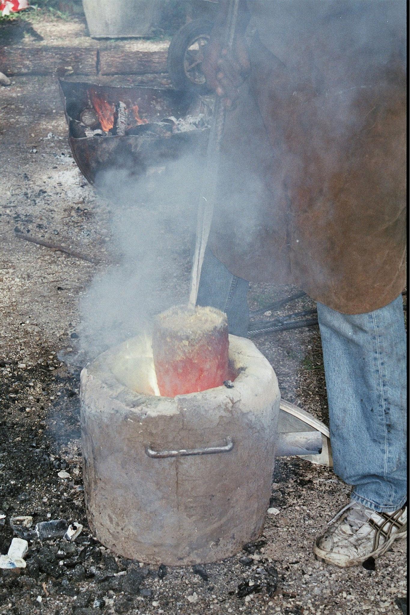 2015 - 47 Penne d'Agenais - Association Art et Histoire - Atelier, technique du bronze à la cire perdue - coulée du bronze