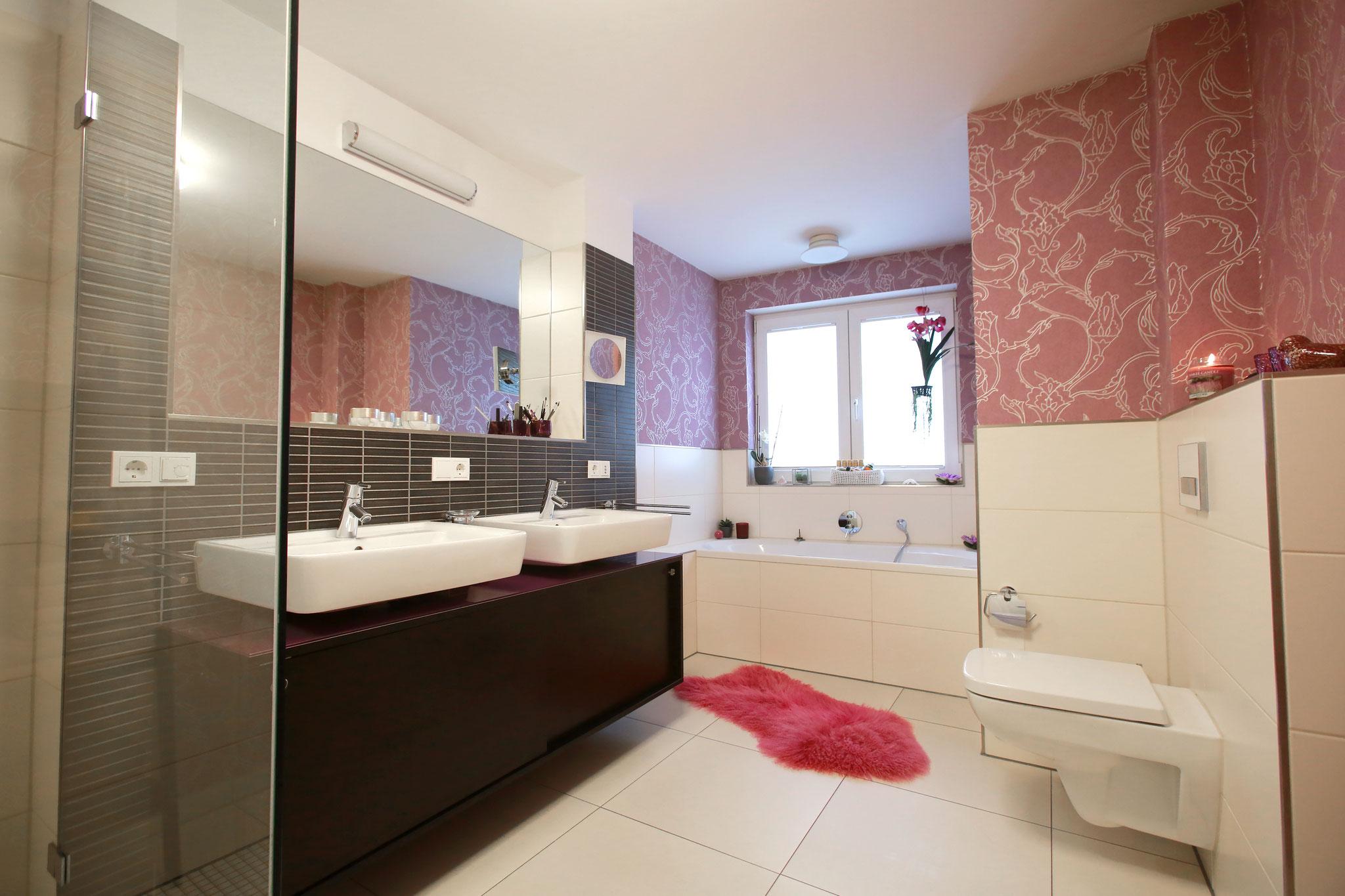 Master- Bathroom