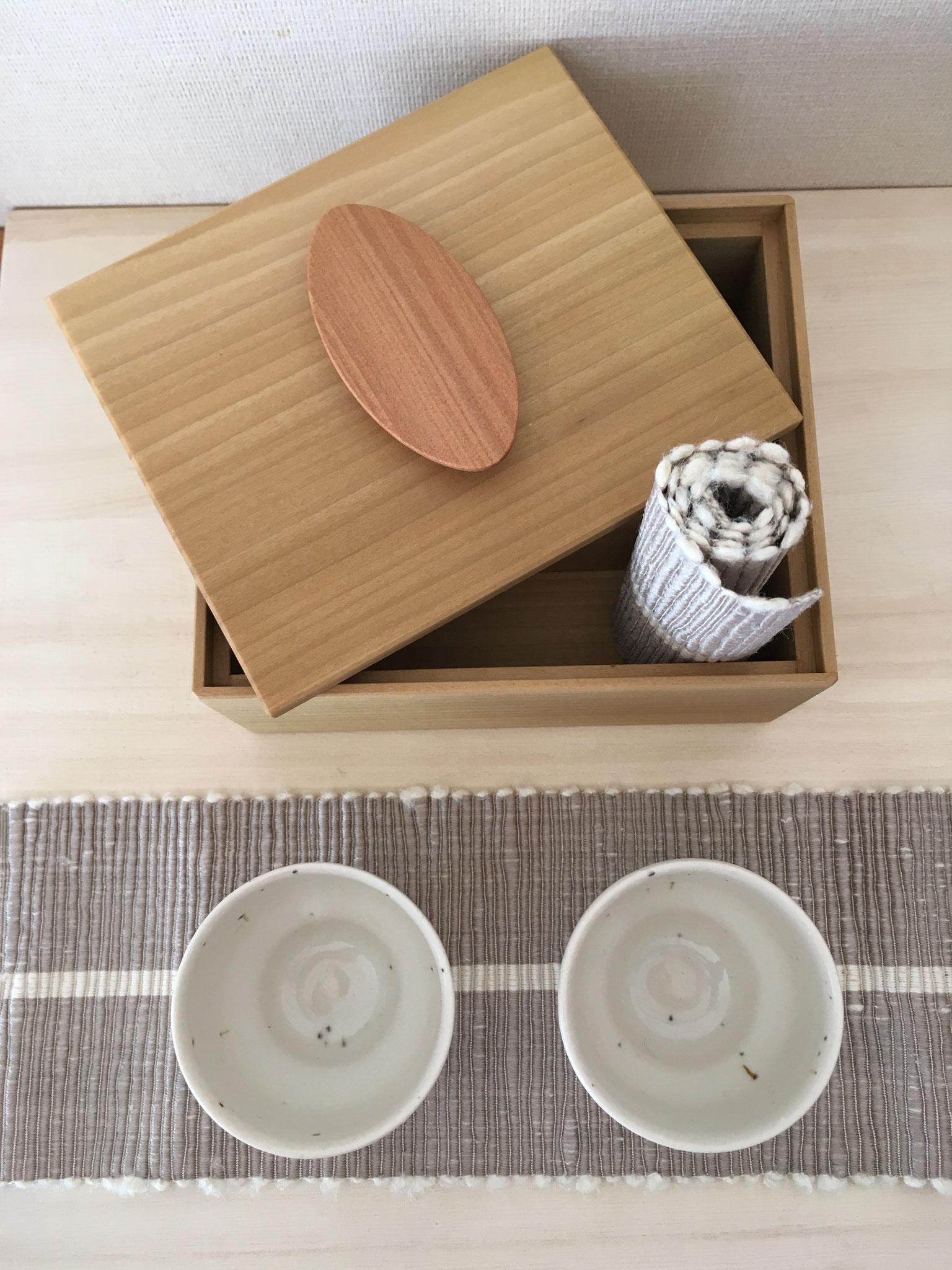 陶・布・木のコラボ「彩箱」