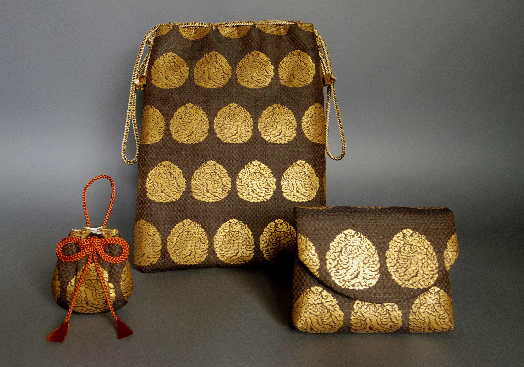 5、 左から如意宝珠文金襴なすび飾り、如意宝珠文金襴合財袋、如意宝珠文金襴念珠入れ
