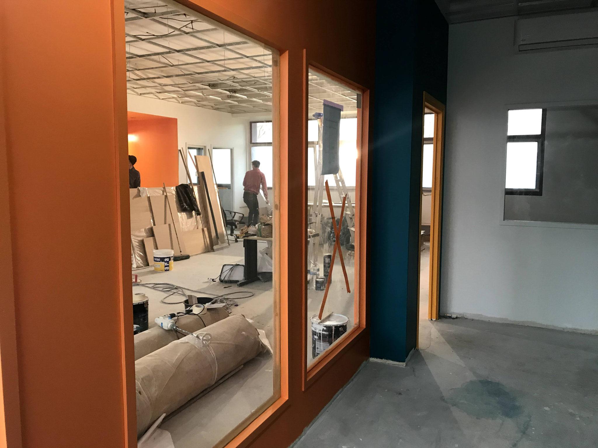 Le 31 janvier : La vue du dortoir sur la salle de vie.