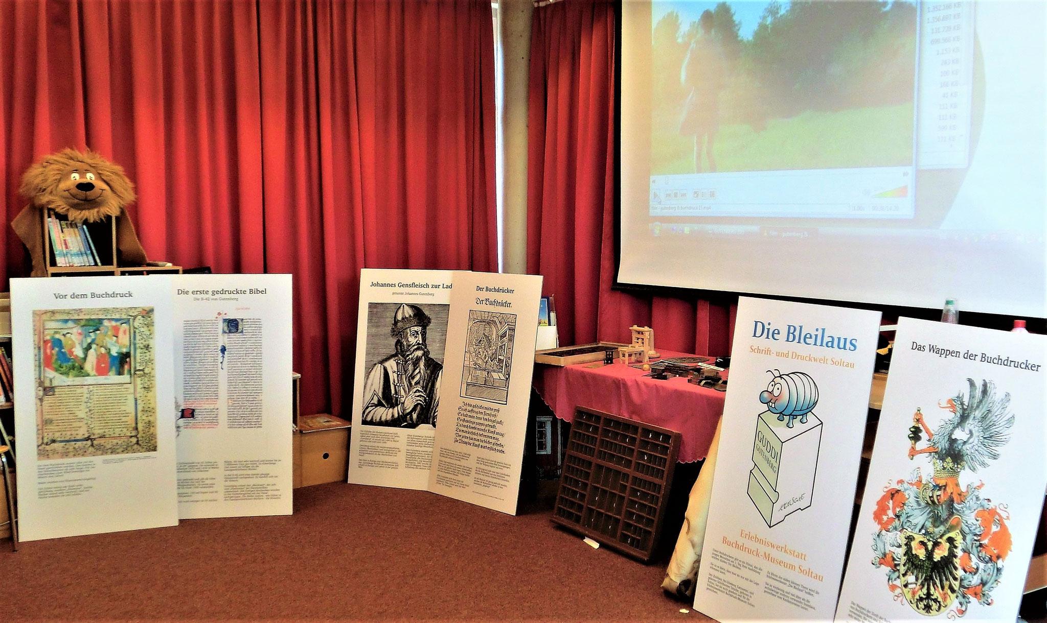 Samtgemeindebücherei Salzhausen - Mobiles Museum der Bleiläuse (Foto: Carmen Backhaus)