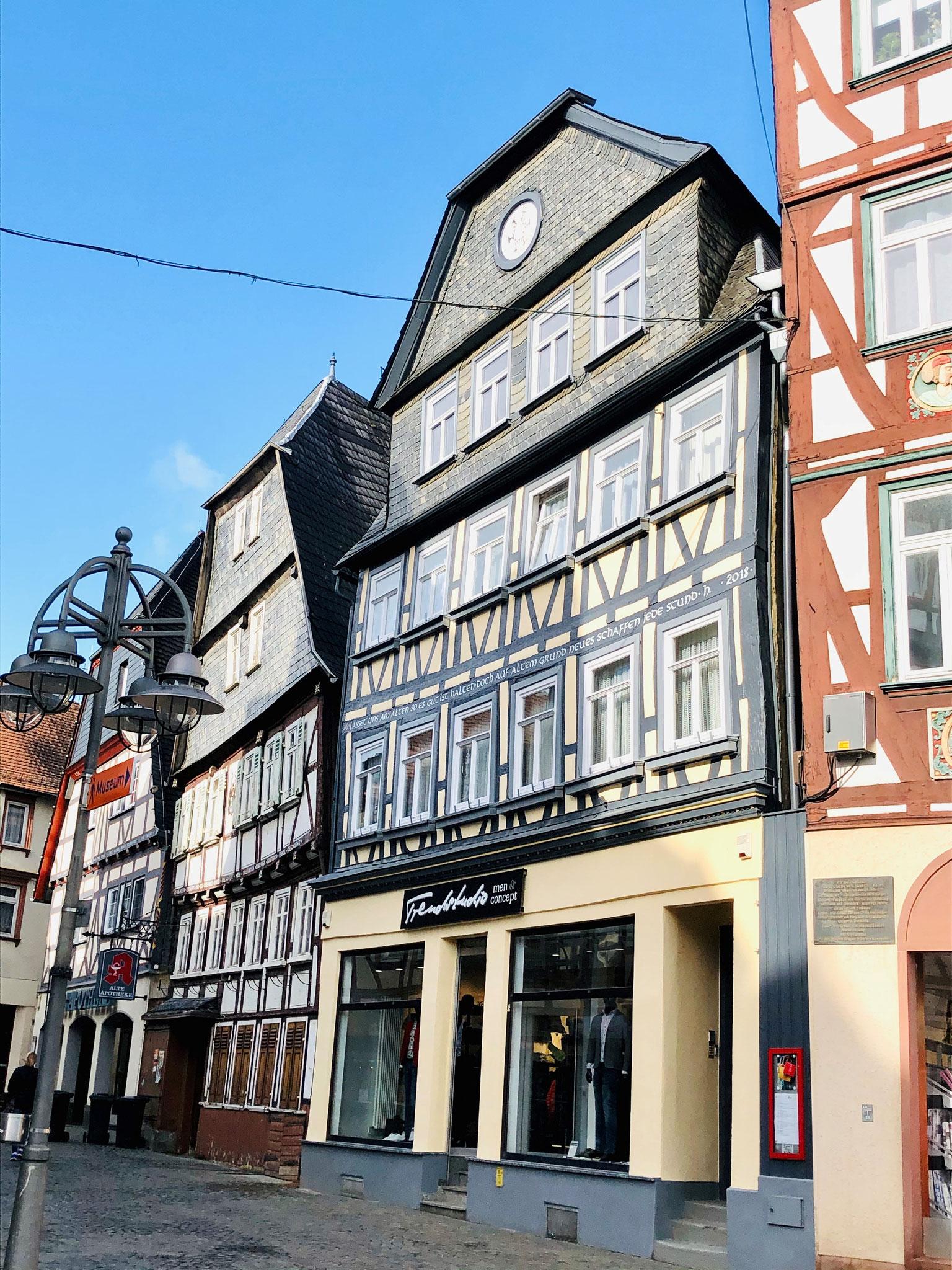 Mehrfamilienhaus in Butzbach - 4 Wohneinheiten und 1 Gewerbeeinheit