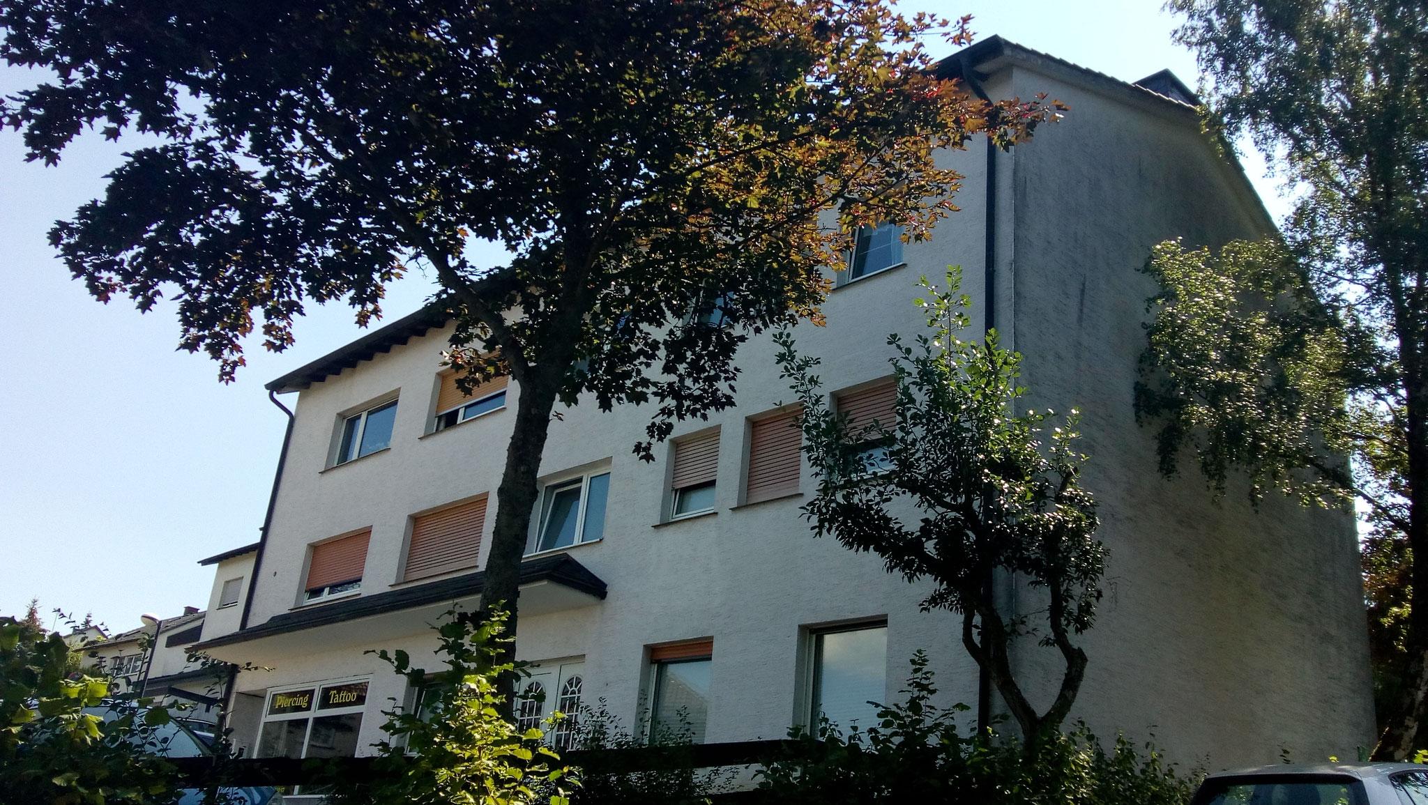 Mehrfamilienhaus in Sundern - 5 Wohneinheiten und 1 Gewerbeeinheit