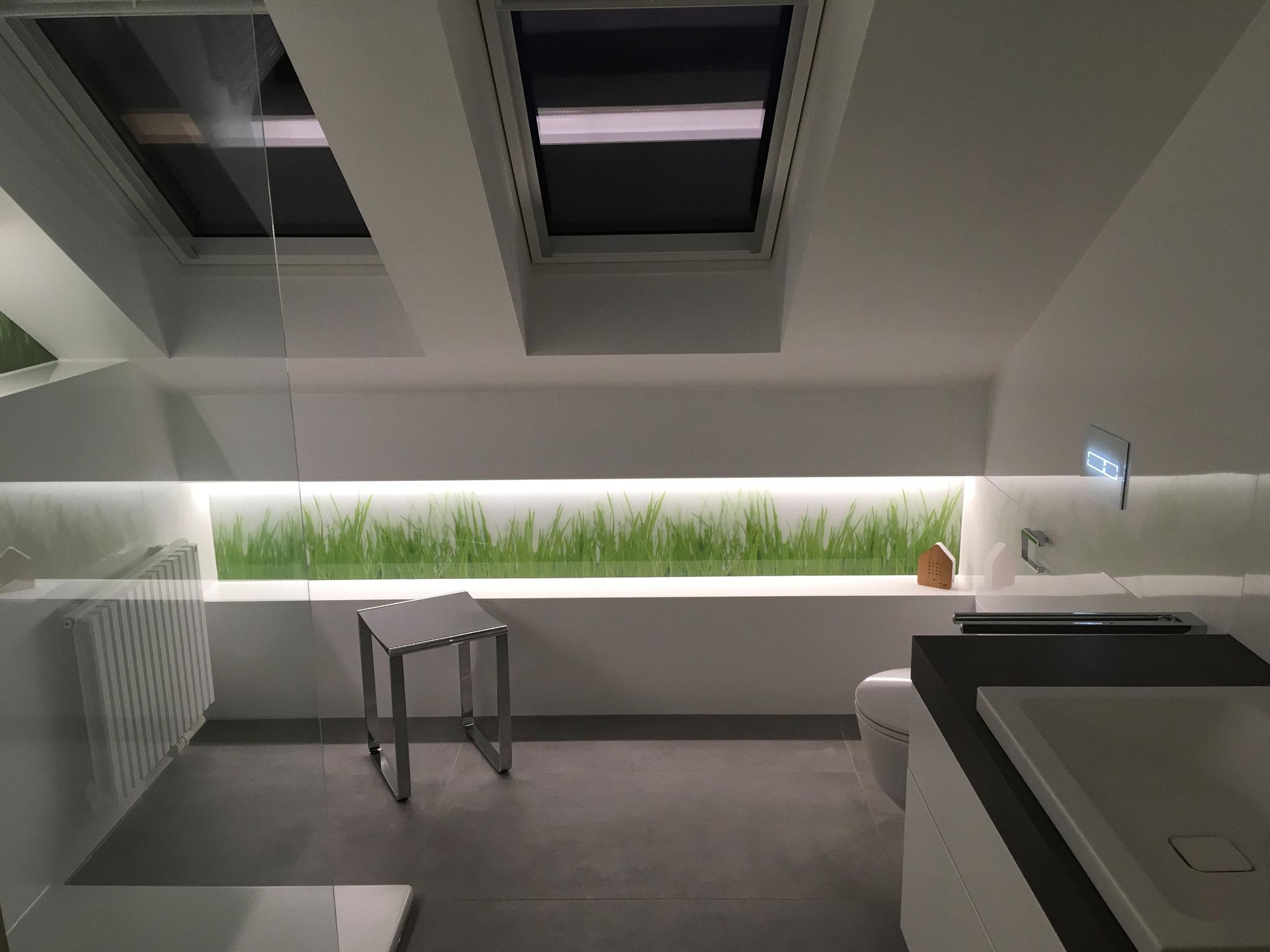 Das neue Badezimmer erscheint sehr großzügig